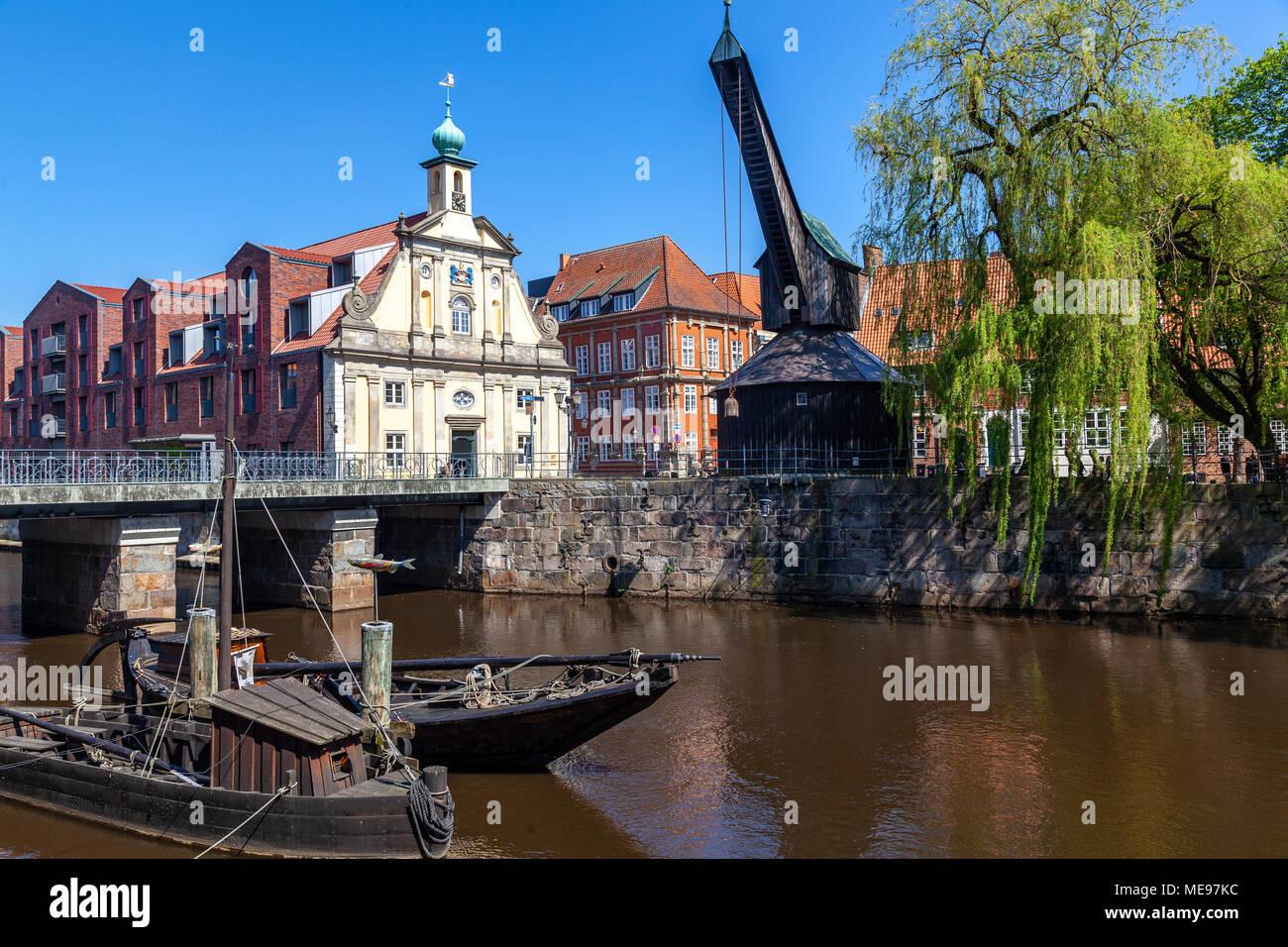 Alter Kran am Stintmarkt, Lüneburg, Niedersachen, Deutschland - Stock Image