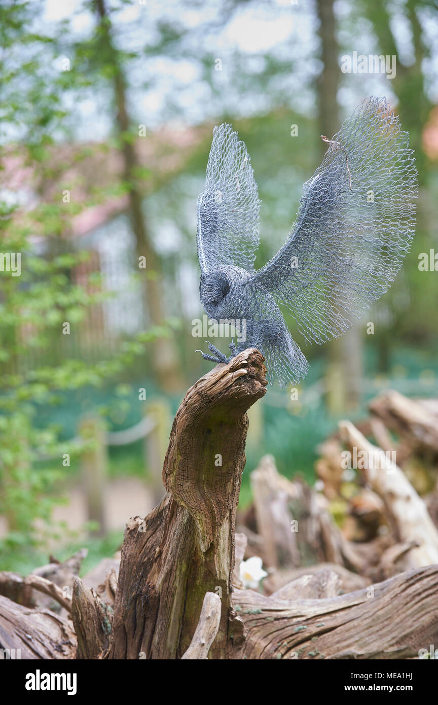 Wire Sculptures In The Garden Stock Photo 180929662 Alamy