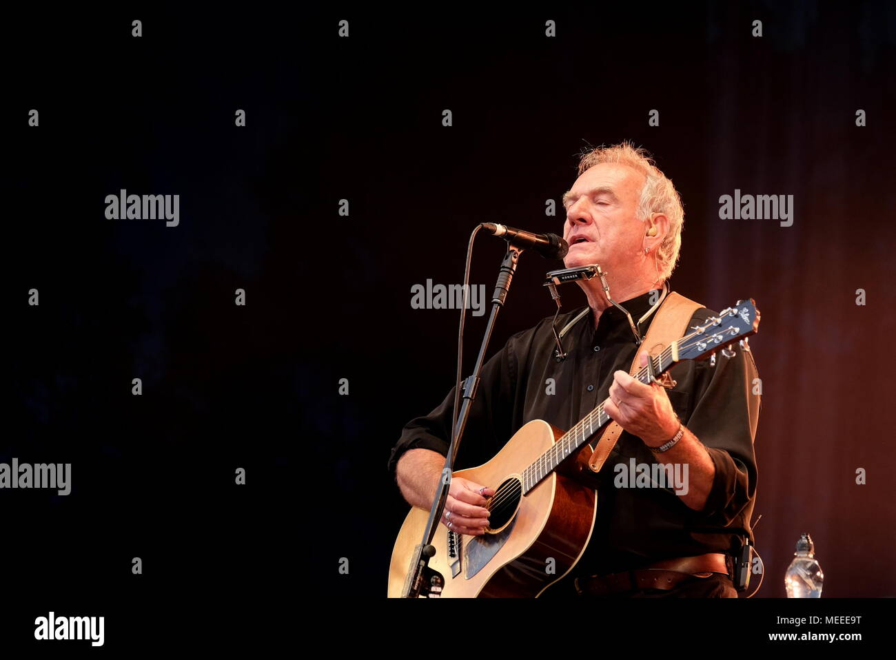 Fairport's Cropredy Convention, Banbury,  13th August 2016, UK, Ralph McTell live at Cropredy Festival - Stock Image