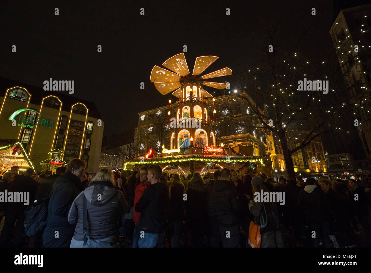 Traditional Christmas Market or Weihnachtsmarkt at Bonn, North Rhine Westphalia, Germany. - Stock Image