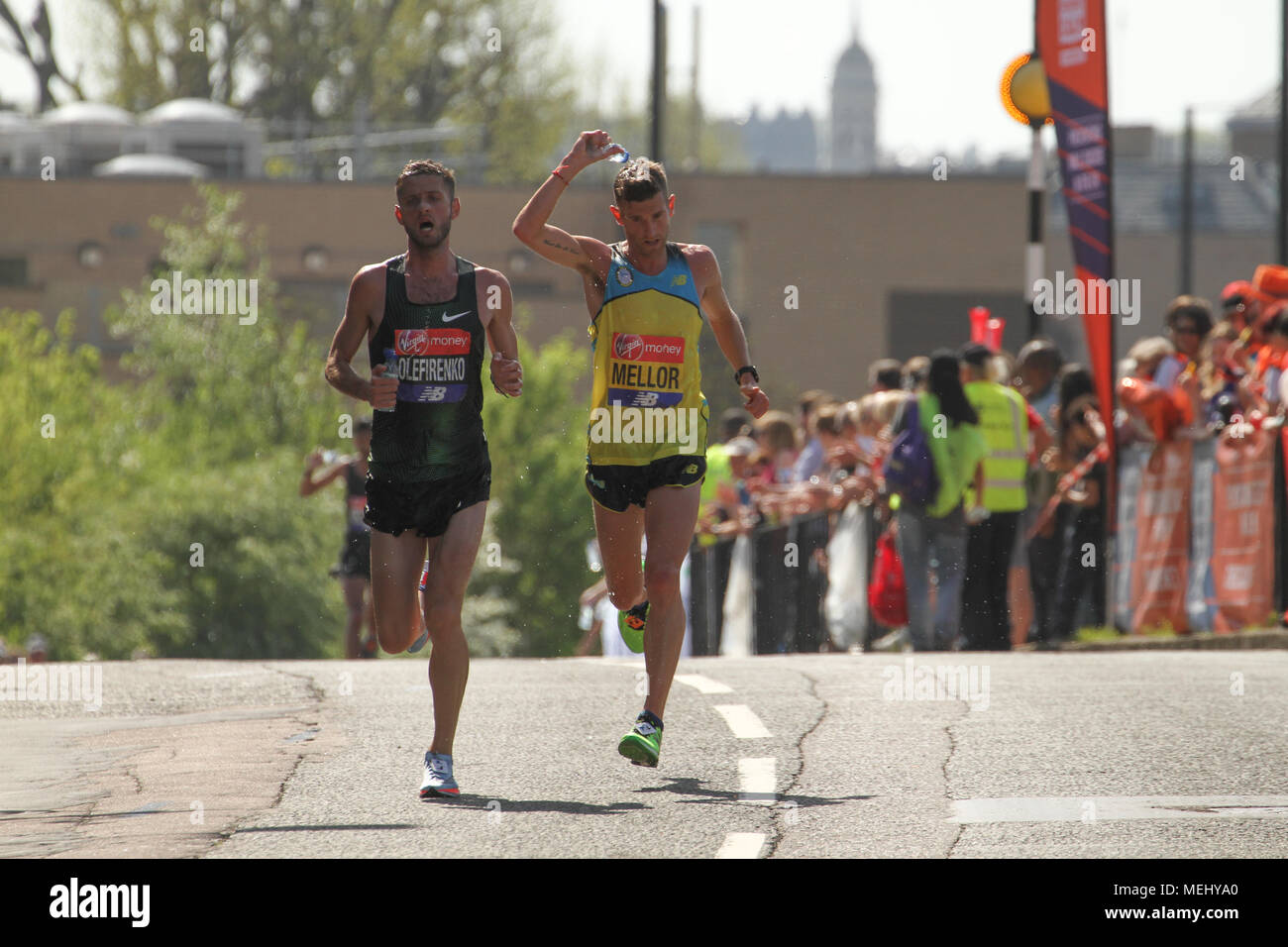 London, United Kingdom - April 22: Runners race towards the 17 mile mark at Madchutte during the Virgin Money London Marathon on April 22, 2018. Over 40,000 are expected to start the 26.2 miles run from Greenwich to Westminster.© David Mbiyu/Alamy Live News - Stock Image