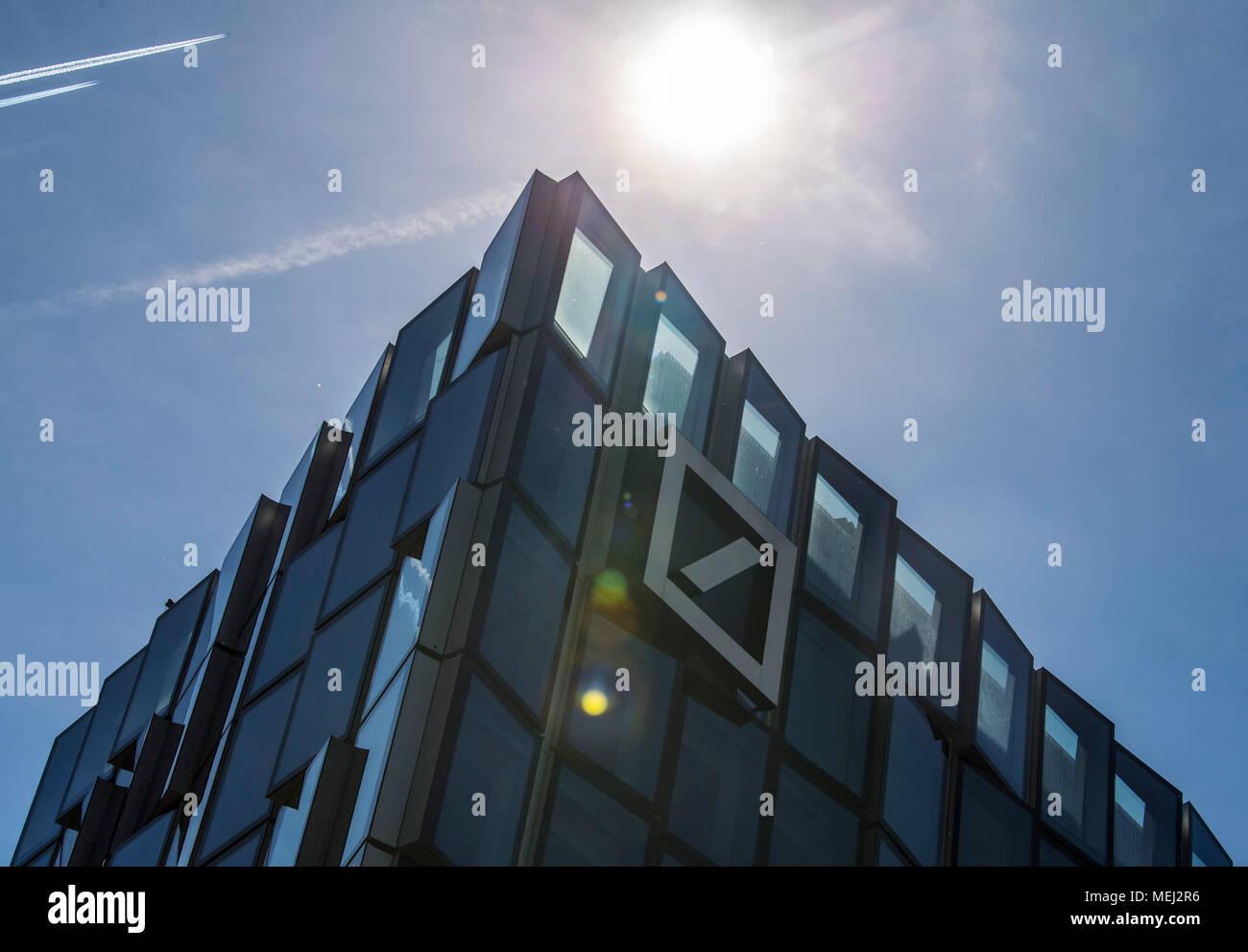 20 April 20, Germany, Frankfurt/Main A Deutsche Bank building ...