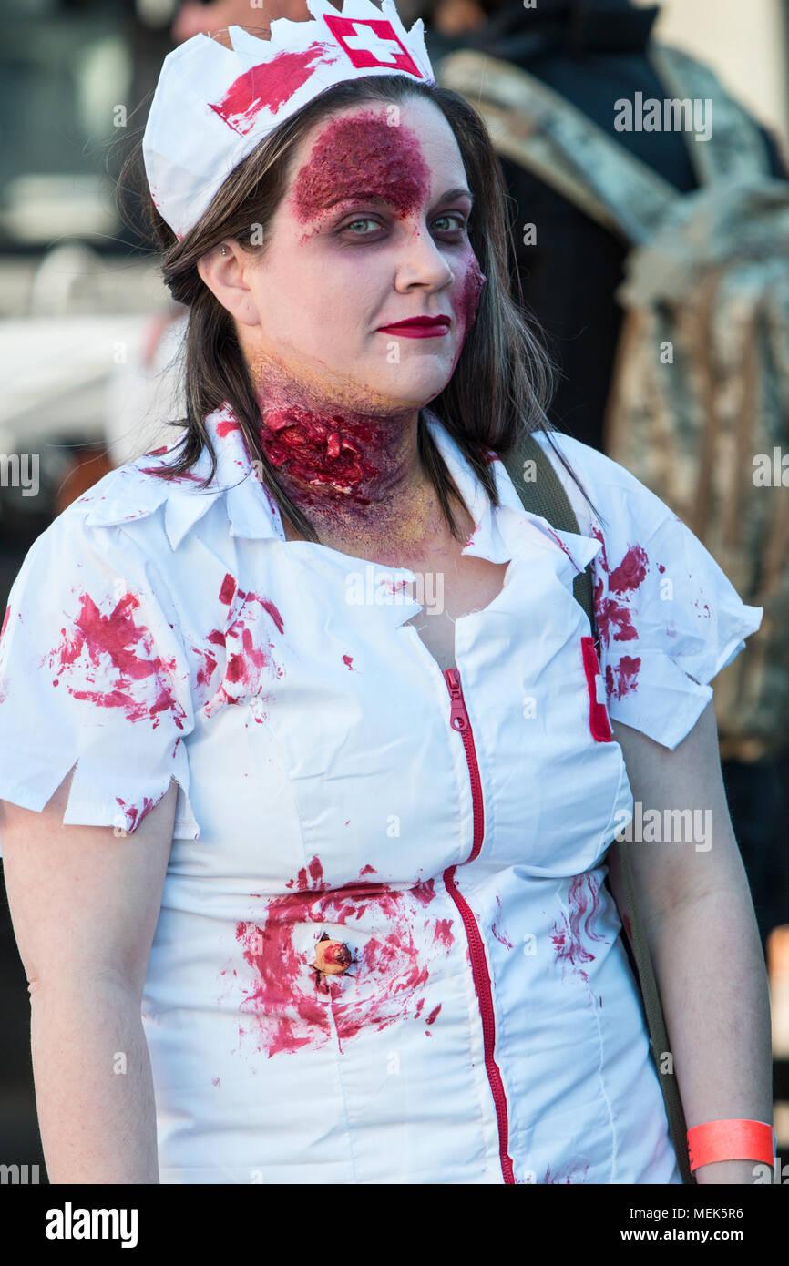 zombie makeup stock photos & zombie makeup stock images - alamy