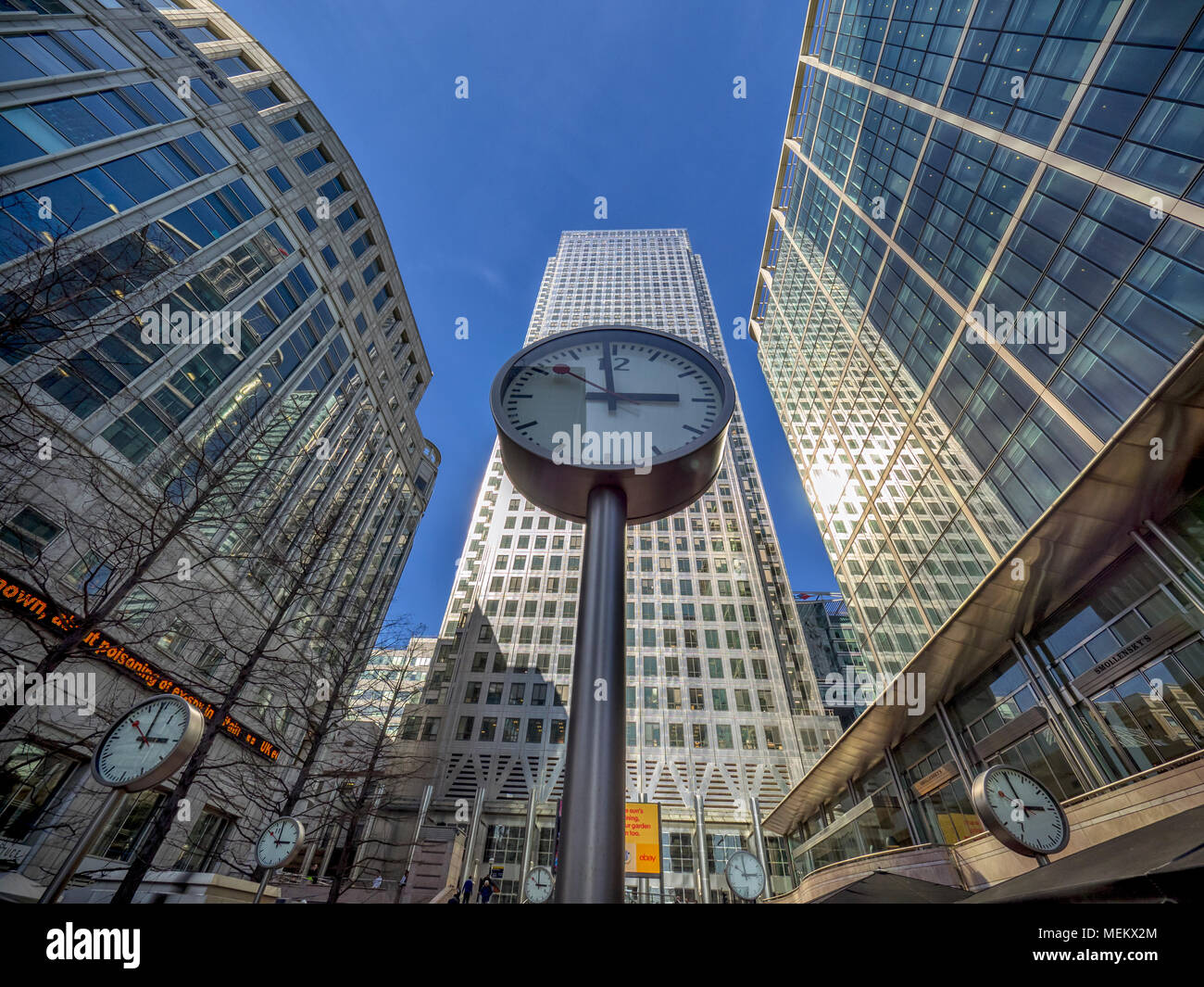 CANARY WHARF, DOCKLANDS, LONDON:  The Six Public Clocks (by Konstantin Grcic)  in Canary Wharf - Stock Image
