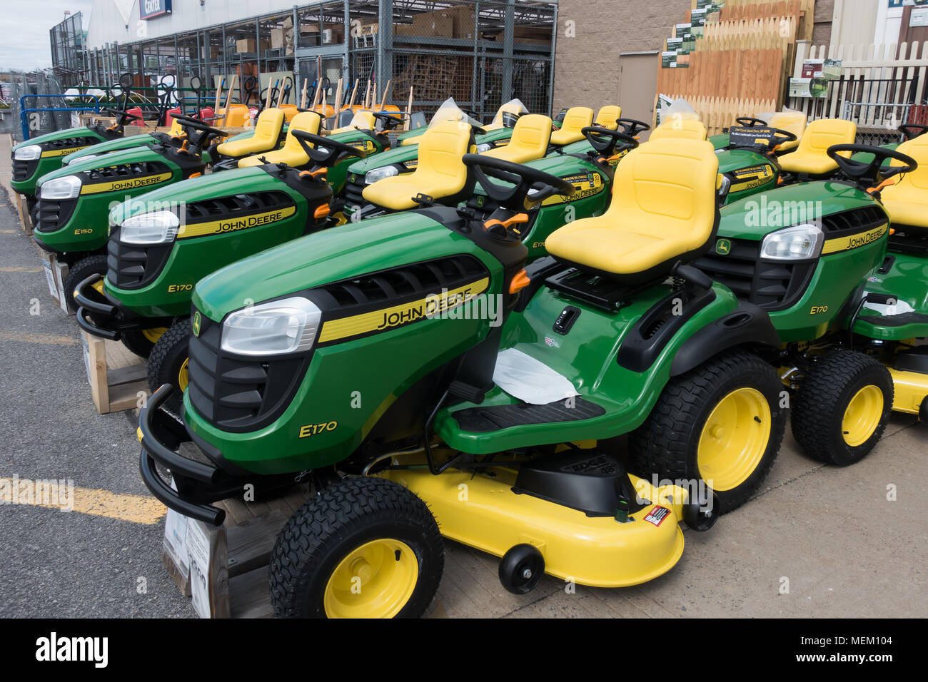 A Selection Of John Deere Lawn Tractors For Sale At A Lowe S Garden Center Store In Amsterdam Ny Stock Photo Alamy
