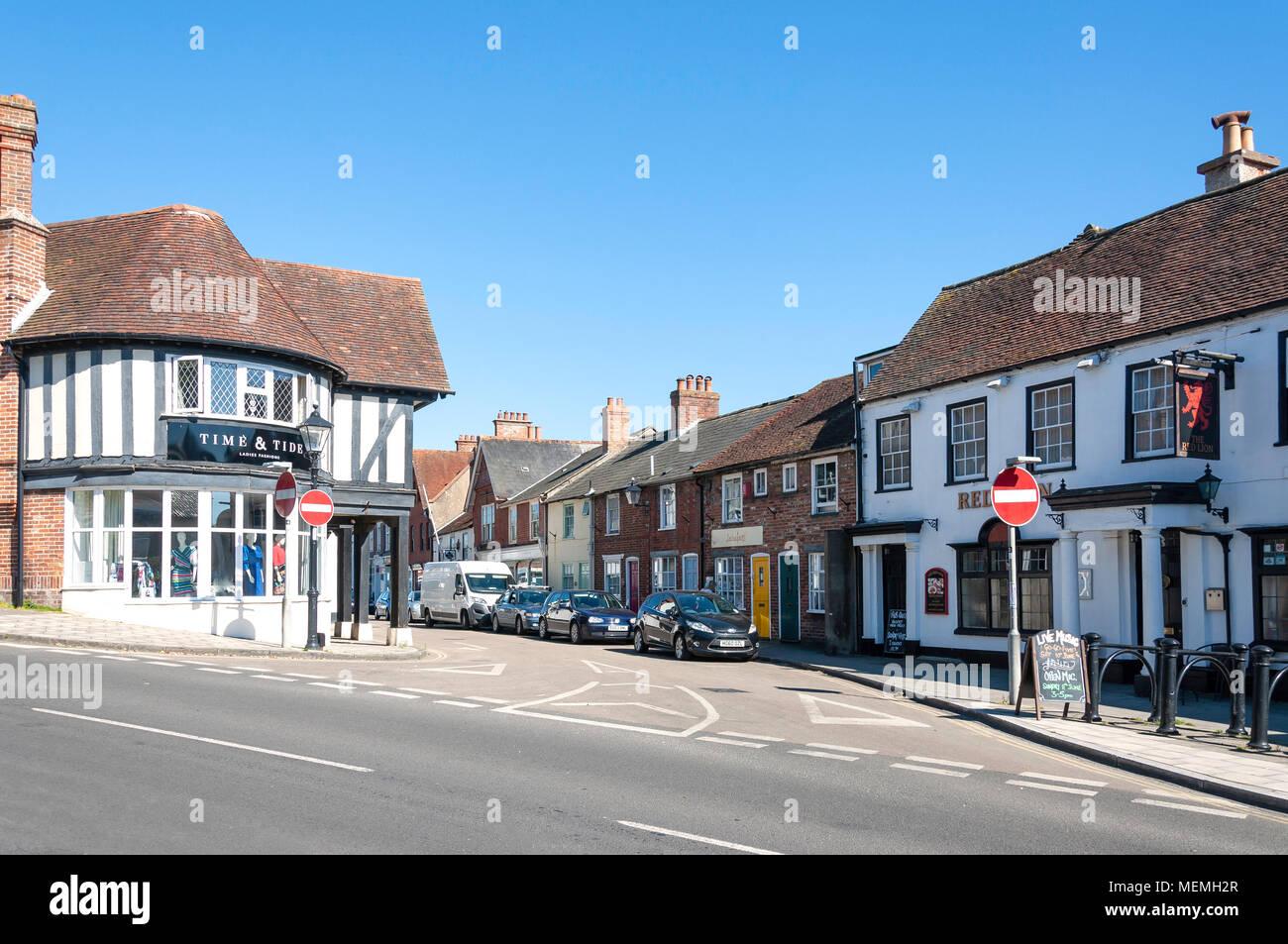 High Street, Milford-on-Sea, Hampshire, England, United Kingdom - Stock Image