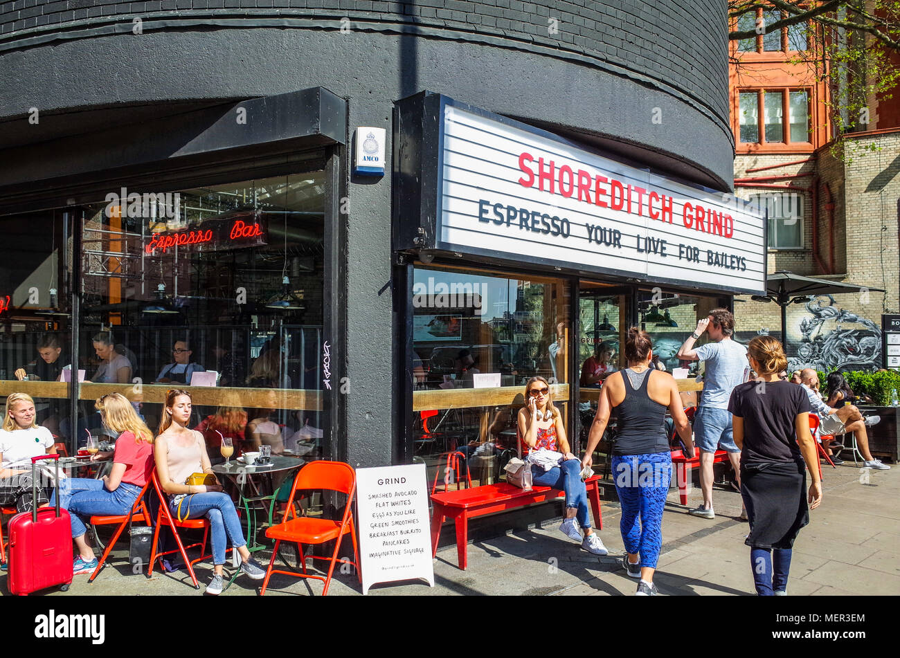 Shoreditch Cafe - the iconic Shoreditch Grind Cafe on London's Silicon Roundabout / Old Street Roundabout - Stock Image