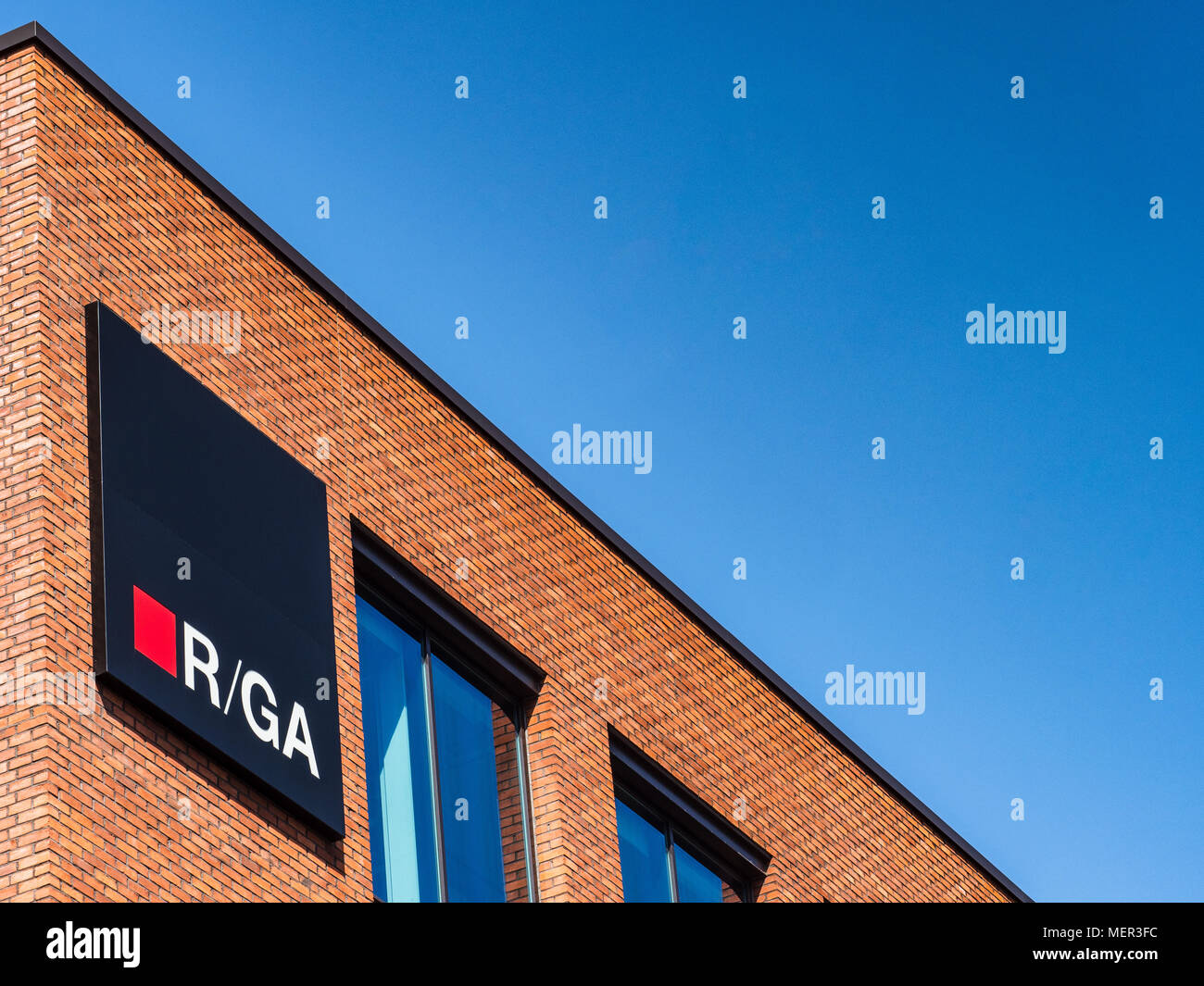 R/GA Connected by Design in Shoreditch - London & EMEA Offices of the R/GA full-service digital agency - Stock Image