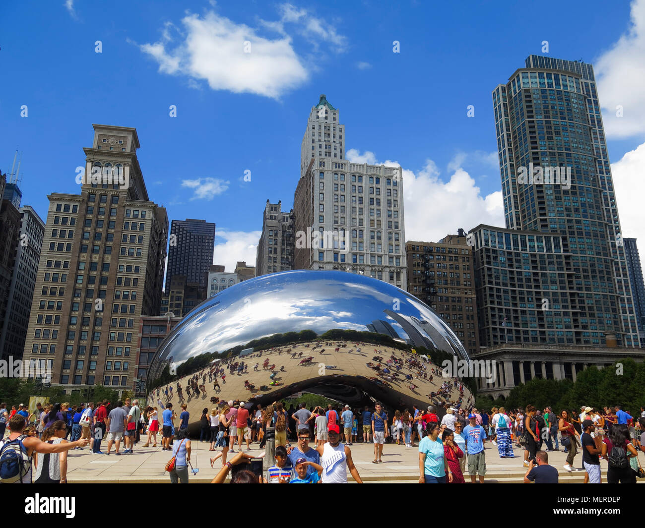 cloud gate known as chicago bean by artist anish kapoor millenium