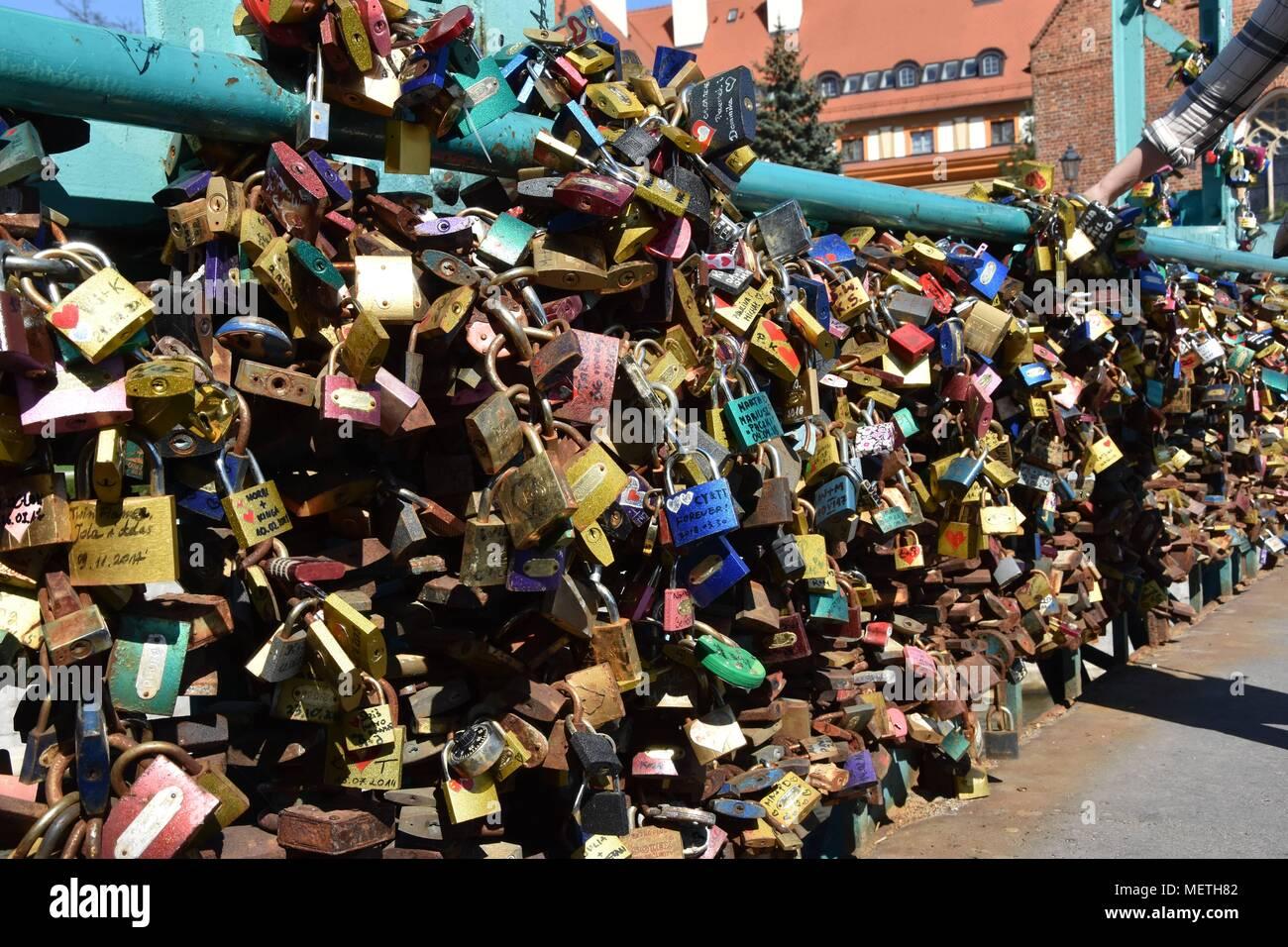 Wroclaw, Poland. 22nd Apr, 2018. April 22.2018 Wroclaw Poland The Tumski Bridge, also known as the bridge of love lovers, has padlocks on it Credit: Piotr Twardysko/ZUMA Wire/Alamy Live News Stock Photo