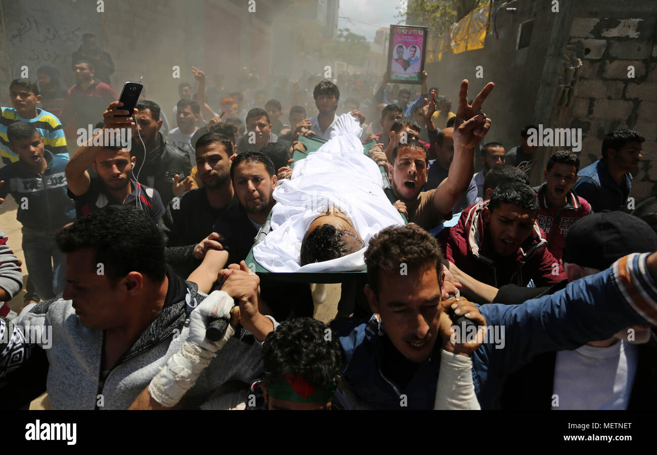 Fantastic Gaza Eid Al-Fitr 2018 - khan-yunis-gaza-strip-palestinian-territory-23rd-apr-2018-mourners-carry-the-body-of-a-palestinian-deaf-tahreer-wahba-18-who-was-died-of-from-his-injuries-after-being-shot-in-the-head-by-israeli-security-forces-during-clashes-on-april-6-during-his-funeral-in-khan-yunis-in-the-southern-gaza-strip-on-april-23-2018-credit-ashraf-amraapa-imageszuma-wirealamy-live-news-METNET  Perfect Image Reference_26939 .jpg