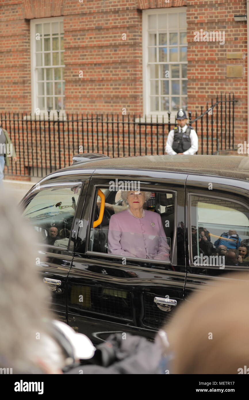 London, UK. 23rd Apr, 2018. Fake 'HM The Queen' arrives at the Lindo Wing via Taxi Credit: amanda rose/Alamy Live News - Stock Image