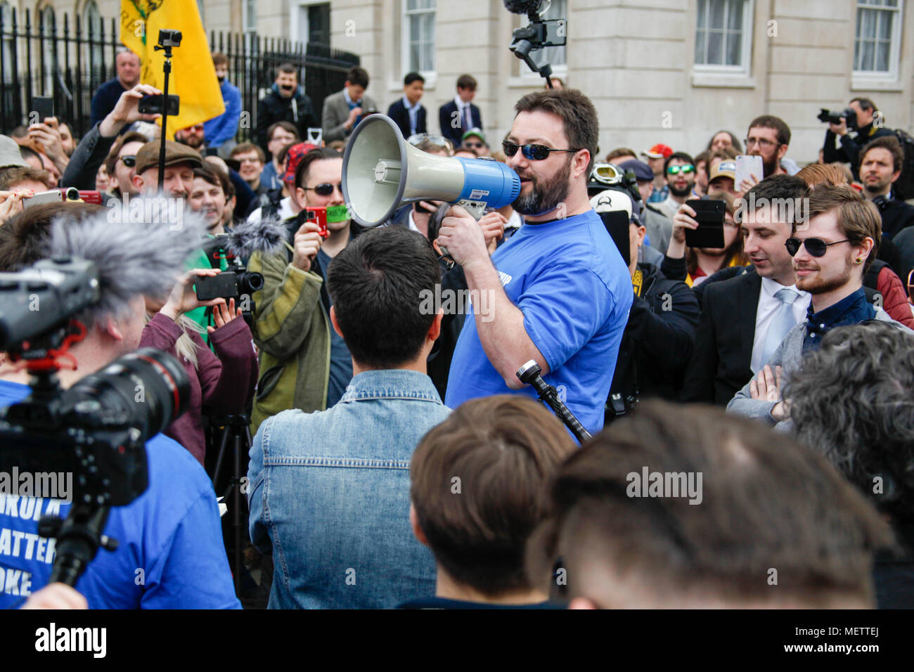 London, UK. 23rd April, 2018. Right-wing Youtuber Sargon of Akkad Supports Count Dankula Credit: Alex Cavendish/Alamy Live News - Stock Image