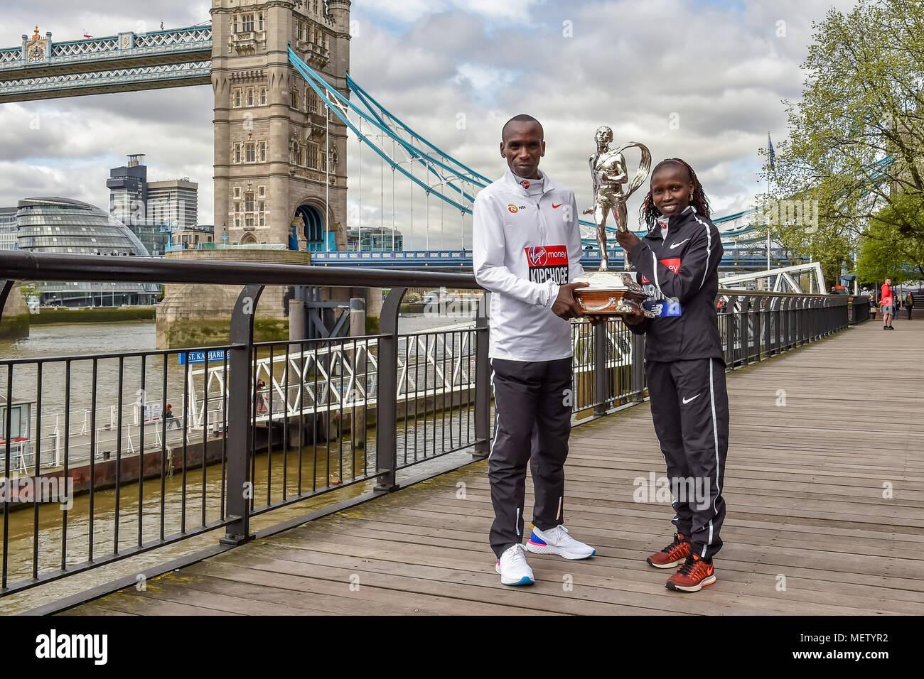 London, UK. 23rd April, 2018. Eliud Kipchoge (KEN) and Vivian Cheruiyot (KEN) at Winners presentation after the 2018 Virgin Money London Marathon on Monday, 23 April 2018. London, England. Credit: Taka Wu/Alamy Live News Stock Photo