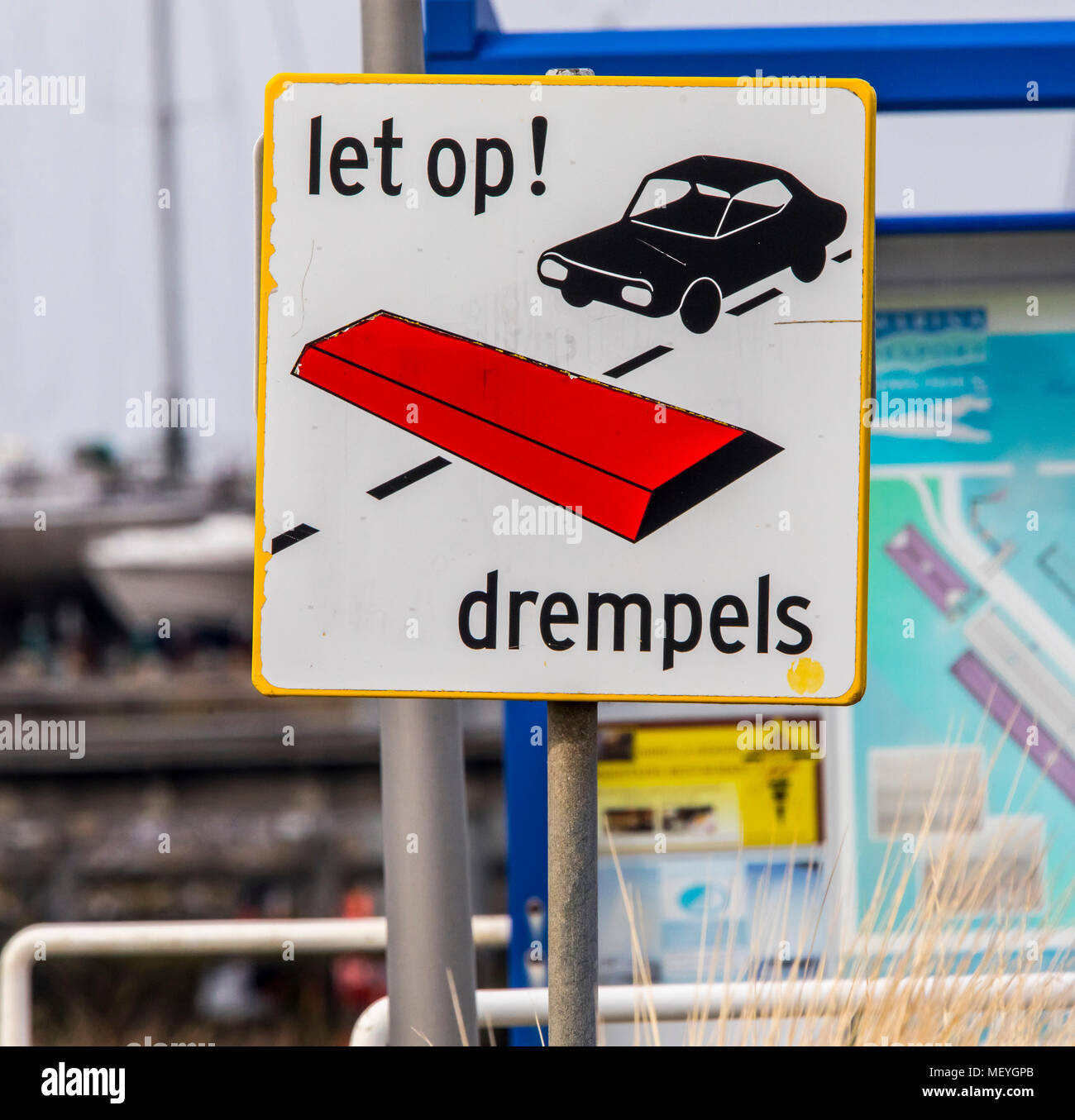 Road sign, reference to bumps, for speed reduction, in Dutch, drums, drempels, - Stock Image