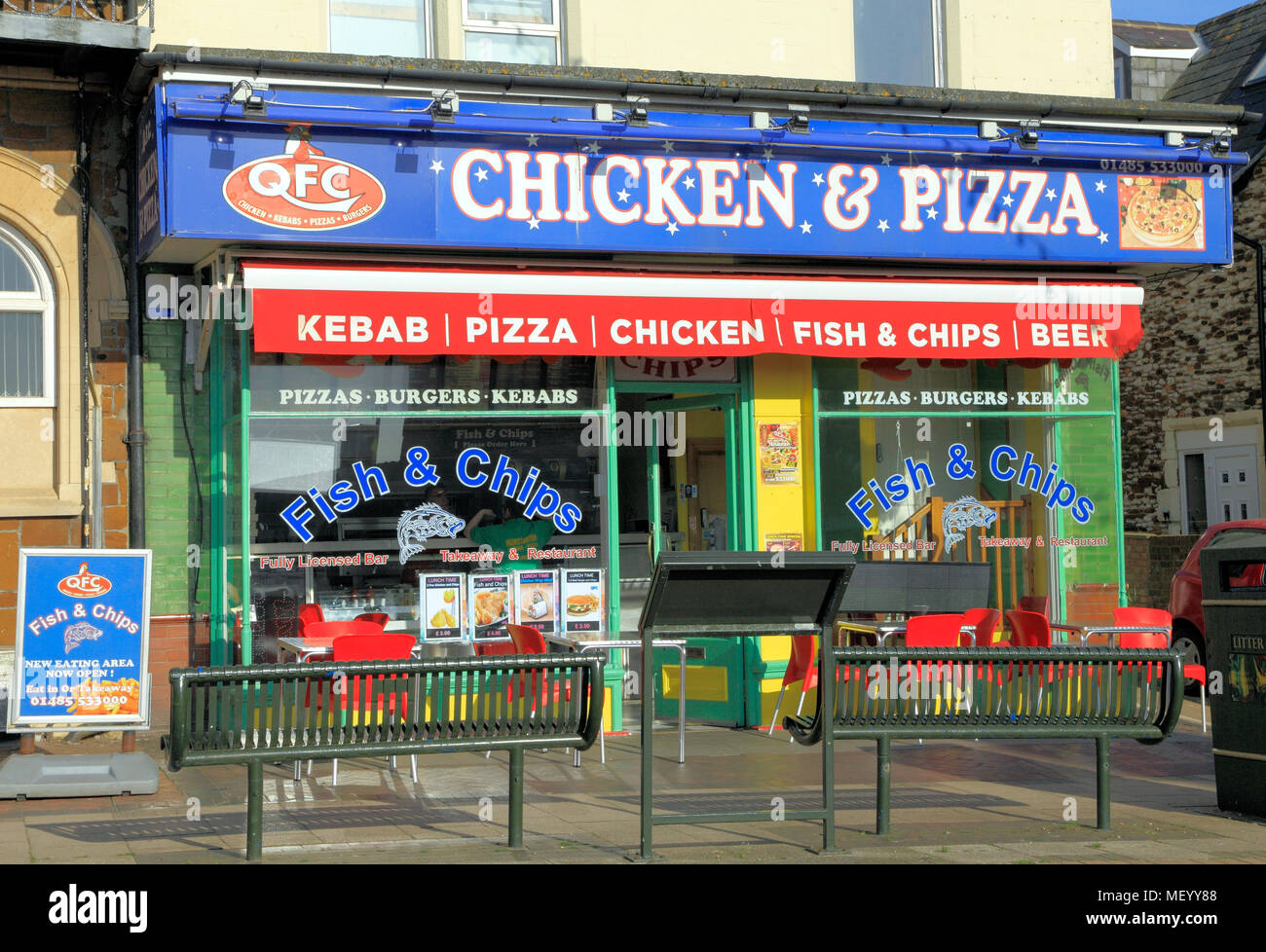 QFC, Chicken & Pizza , fast food outlet, shop, Hunstanton, Norfolk, England, UK, take away, meal, meals, chicken, Pizzas - Stock Image