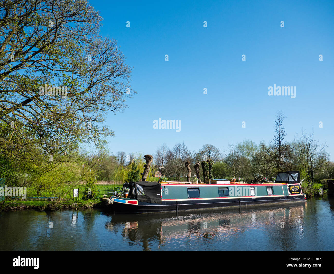 Narrowboat, River Kennet,  Newbury, Berkshire, England, UK, GB. - Stock Image