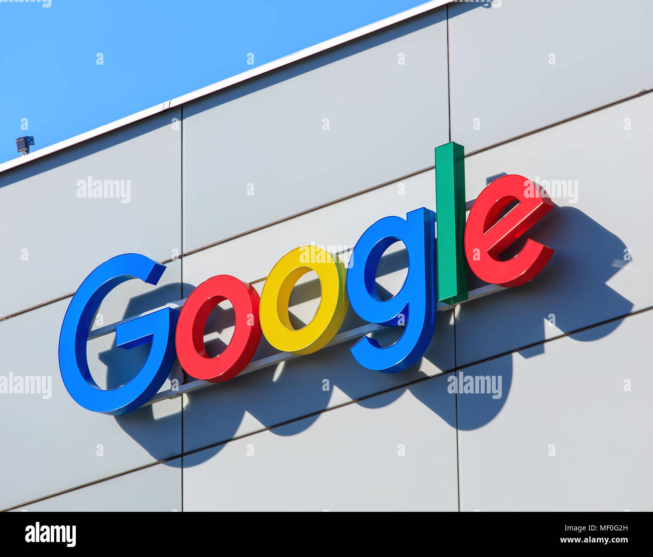 Google office switzerland Office Programmer Zurich Switzerland 20 April 2016 Sign On The Wall Of The Google Office Building Google Is Multinational Technology Company Specializing In Int Alamy Zurich Switzerland 20 April 2016 Sign On The Wall Of The Google