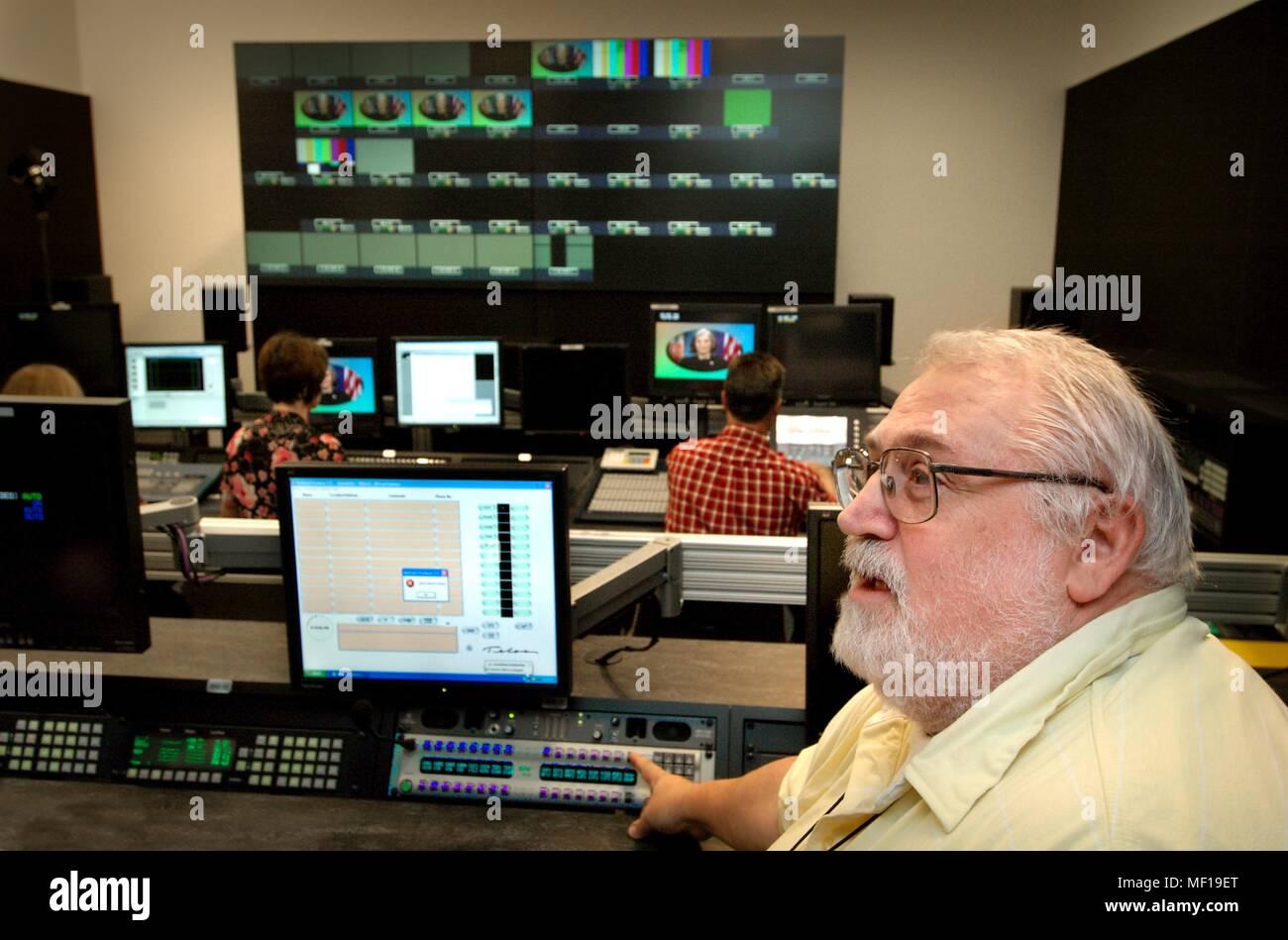 tv transmission stock photos tv transmission stock images alamy. Black Bedroom Furniture Sets. Home Design Ideas