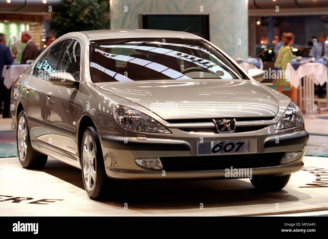 Peugeot presented the new top model 607 at the International Motor Show (IAA) in Frankfurt on 15.9.1999. In the German market, however, the big Peugeot will be available only from autumn 2000. When the time comes, Peugeot wants to offer the 4.87-meter sedan with two engines. So there is on the one hand a V6 engine with three liters of displacement and 152 kW/207 hp. Second unit is a four-cylinder diesel with 2.2 liters of displacement and 98 kW/133 hp. Both versions will be available with both manual and automatic transmissions. | usage worldwide - Stock Image