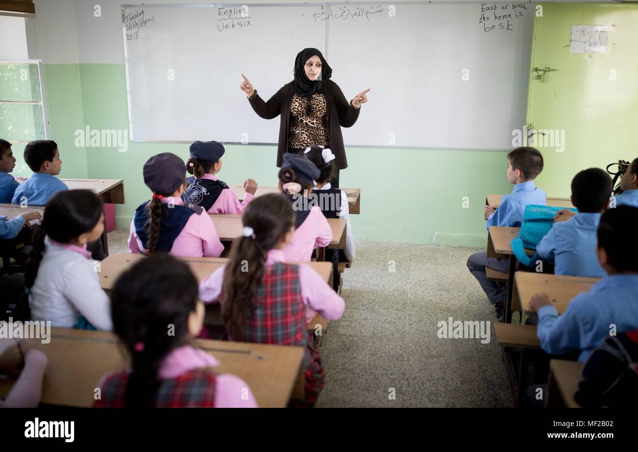 24 April 2018, Iraq, Mosul: School children sing an English song in