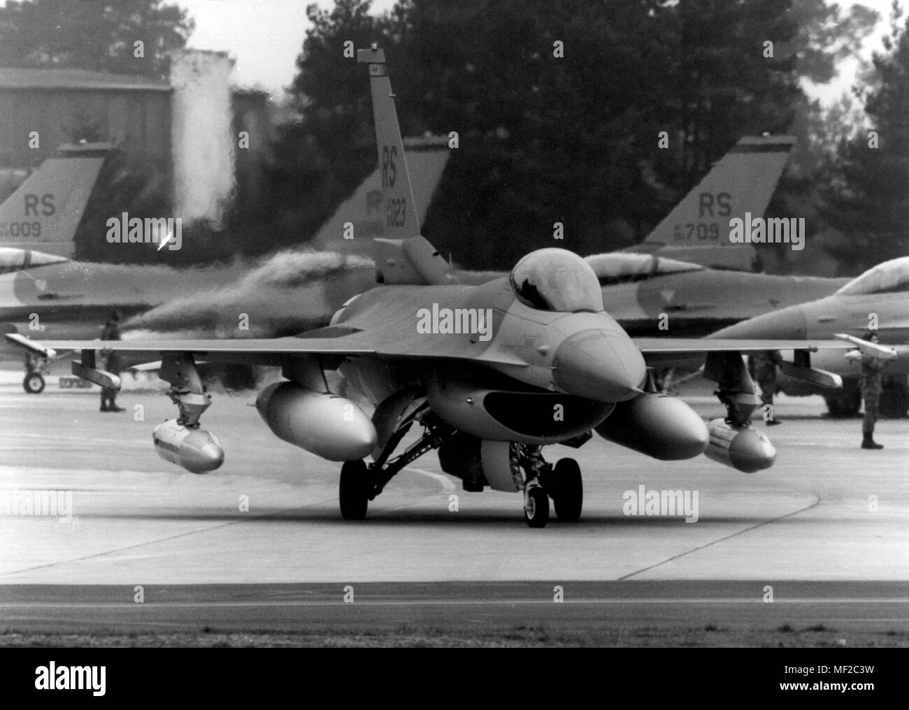 An F-16 fighter plane of the 526th US Air Force fighter squadron on 5.2.1994 at the US Air Base in Ramstein. Twelve of the American F-16 fighter pilots were transferred from the Ramsteiner military airport after Aviano in northern Italy. | usage worldwide - Stock Image