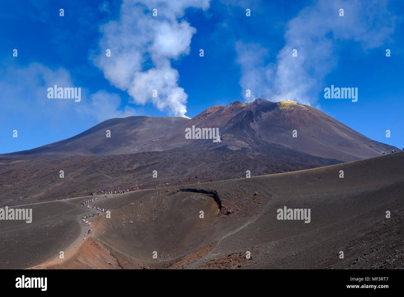 am Torre del Filosofo, rauchender Gipfel, Krater, Vulkan Ätna, Provinz Catania, Silzilien, Italien, - Stock Image