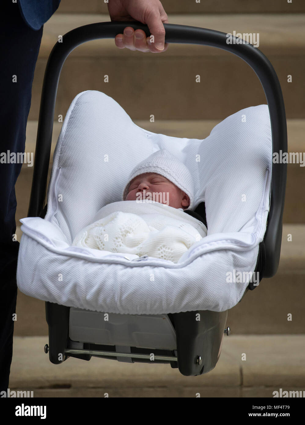 23rd April 2018 London UK Prince William's and Catherine, Duchess of Cambridge's new born, named son leaving St Mary's Hospital's Linda Wing. Stock Photo