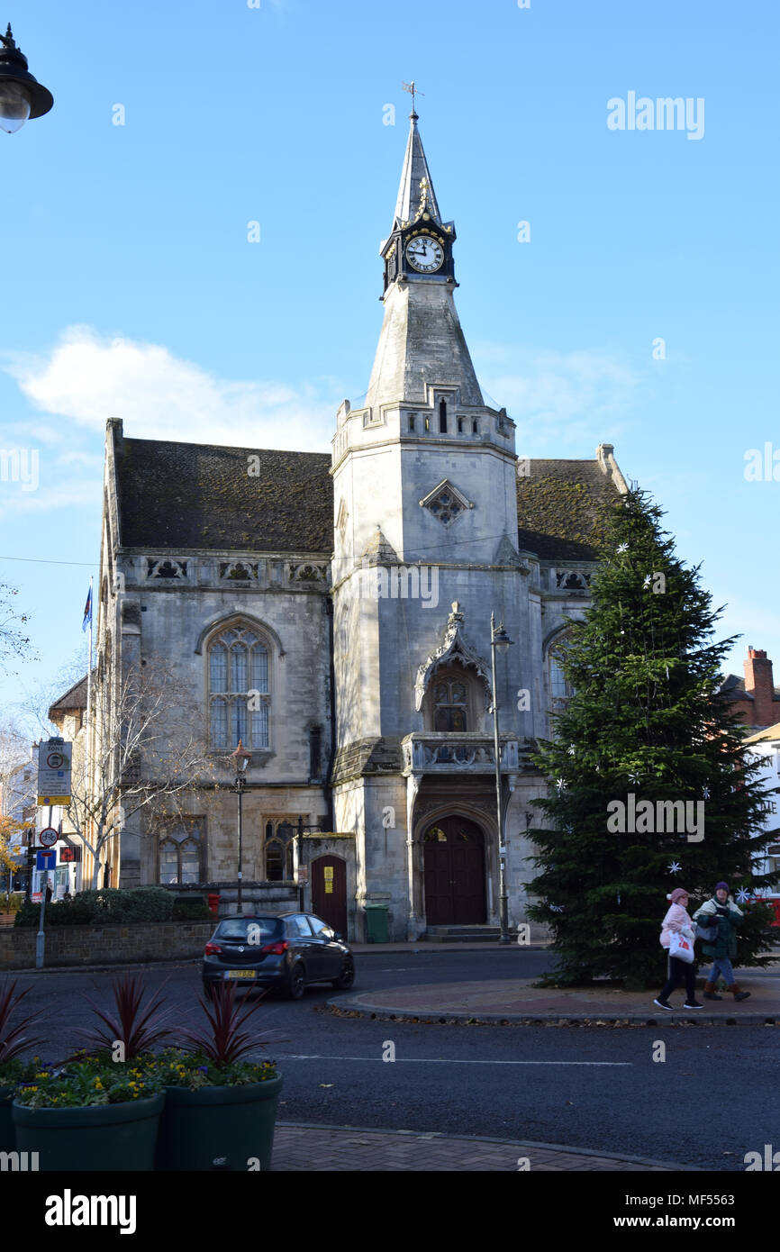 Banbury, United Kingdom - November 29 2017:   The Town Hall building in Banbury with a CHristmas Tree in front - Stock Image