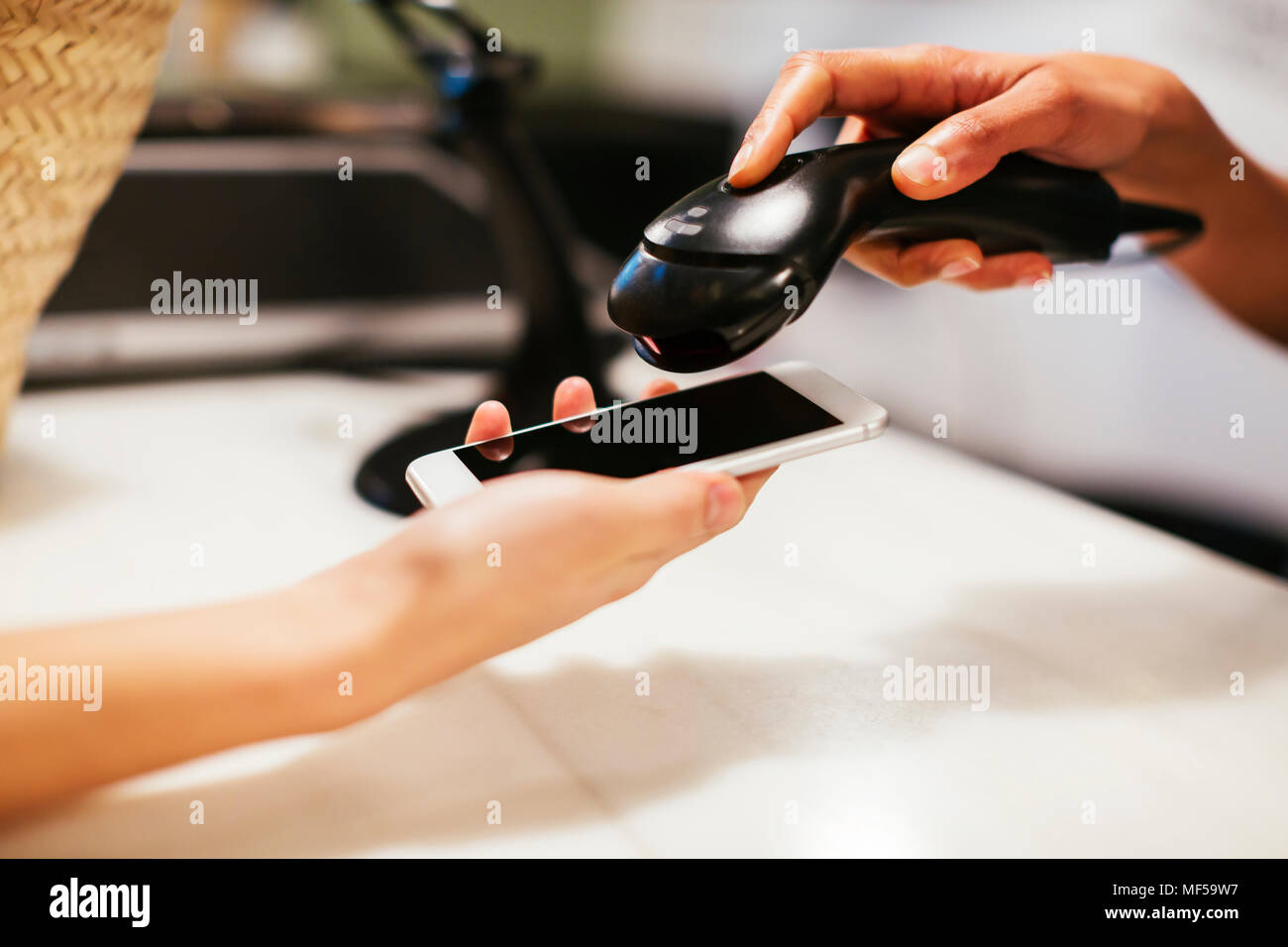 convenience store counter stock photos convenience store counter stock images alamy. Black Bedroom Furniture Sets. Home Design Ideas