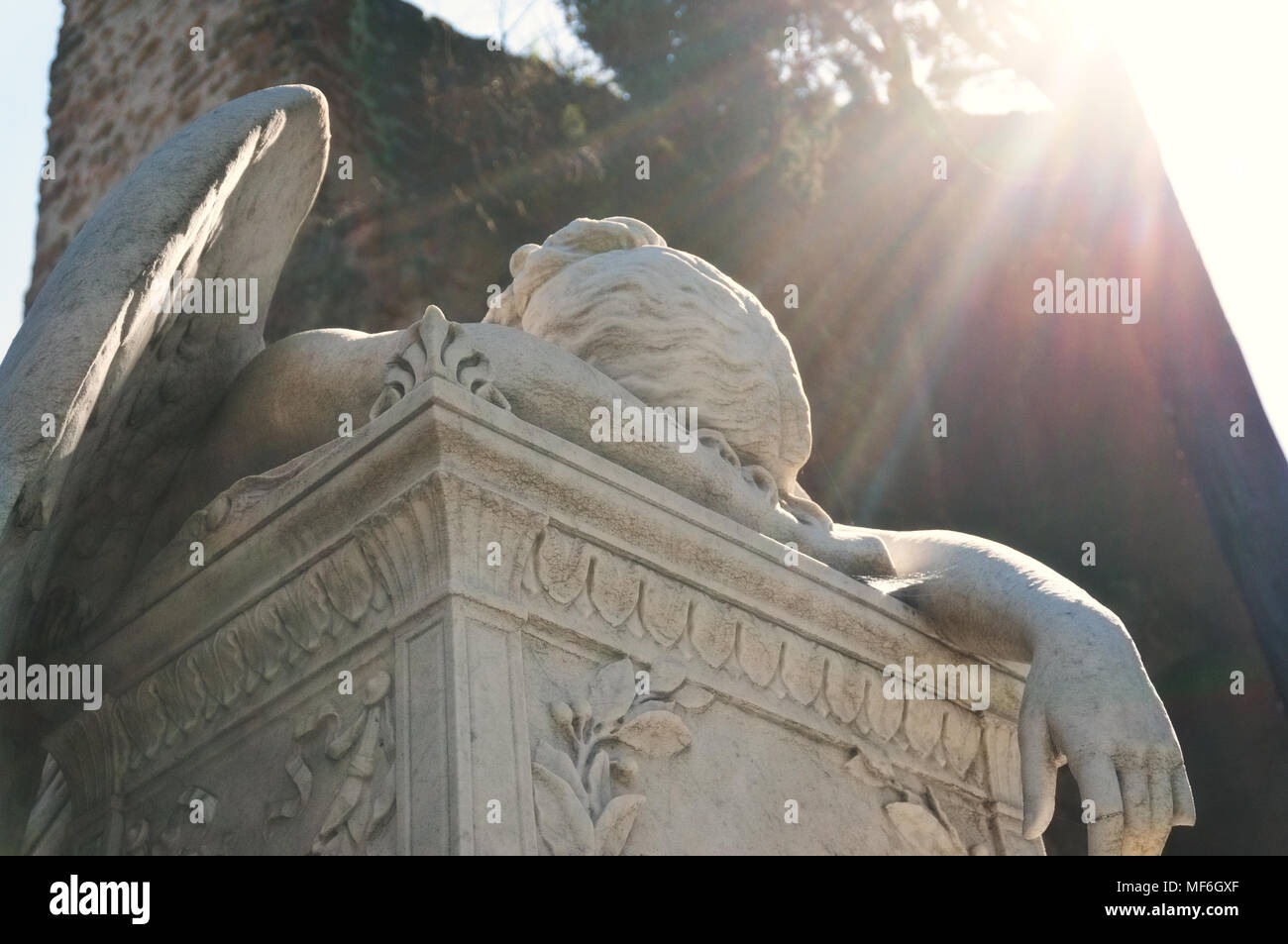 The Angel of Grief Weeping Over the Dismantled Altar of Life by William Wetmore Story - Protestant Cemetery - Rome - Stock Image