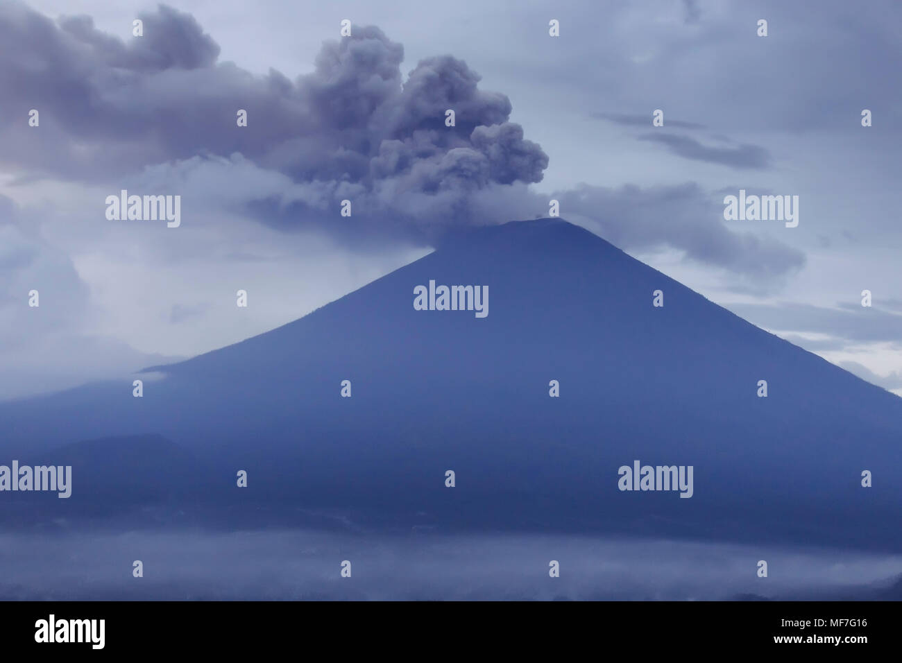 Indonesia, Bali, Volcano Agung in the morning - Stock Image