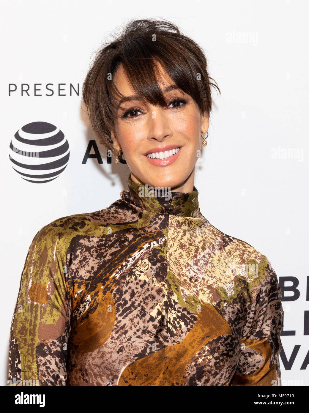Jennifer Beals Jennifer Beals new picture