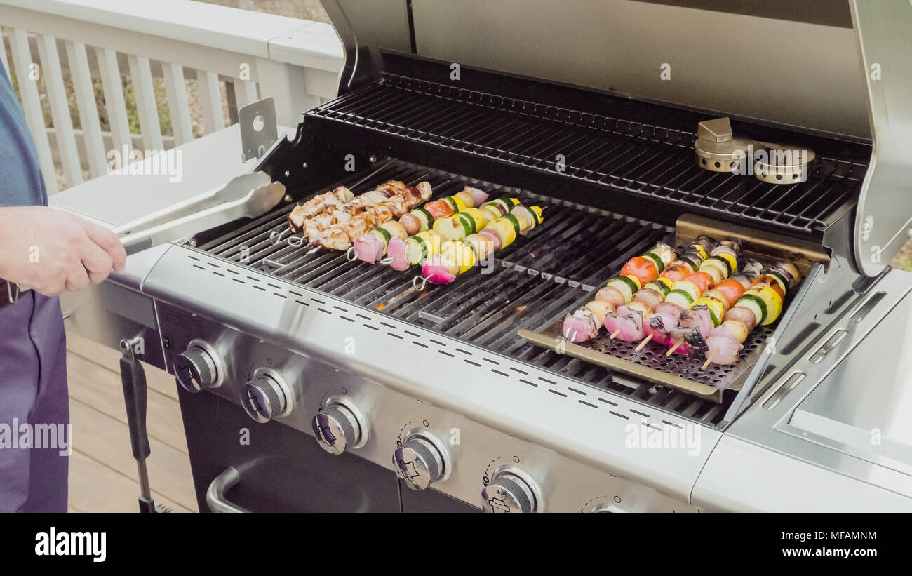 Chicken Gasgrill : Step by step step by step grilling veggie skewers and chicken