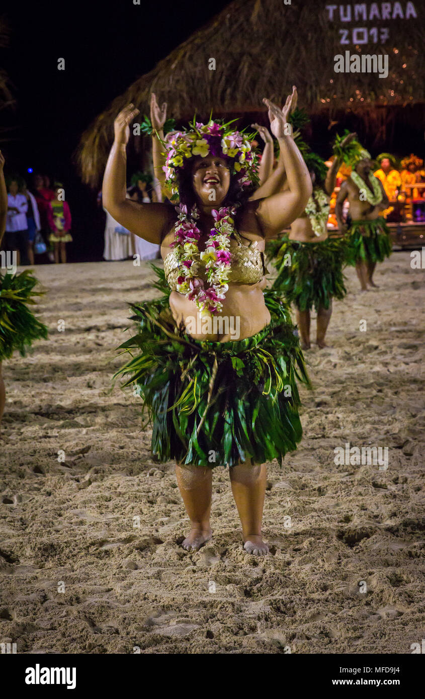 Dancers during Haeva dance festival in Raiatea, French Polynesia - Stock Image