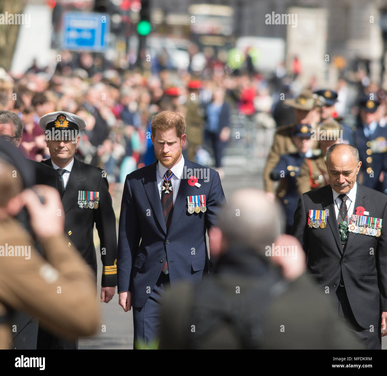 The Cenotaph, Whitehall London, UK. 25 April, 2018. Anzac Day service is held at the Cenotaph at 11.00am in London with Prince Harry attending. Credit: Malcolm Park/Alamy Live News. Stock Photo