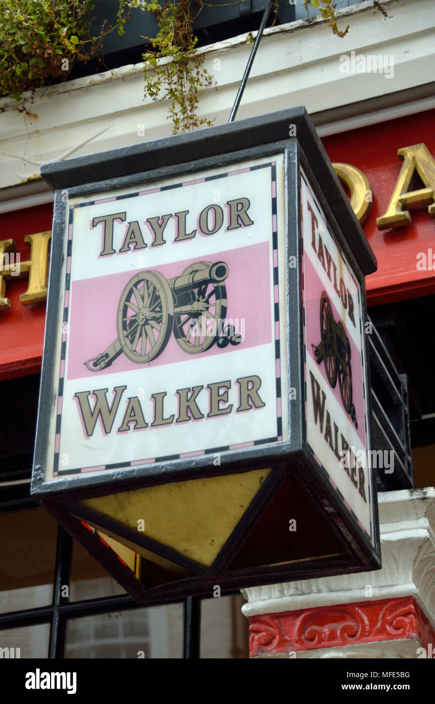 Taylor Walker Pub High Resolution Stock Photography And Images Alamy