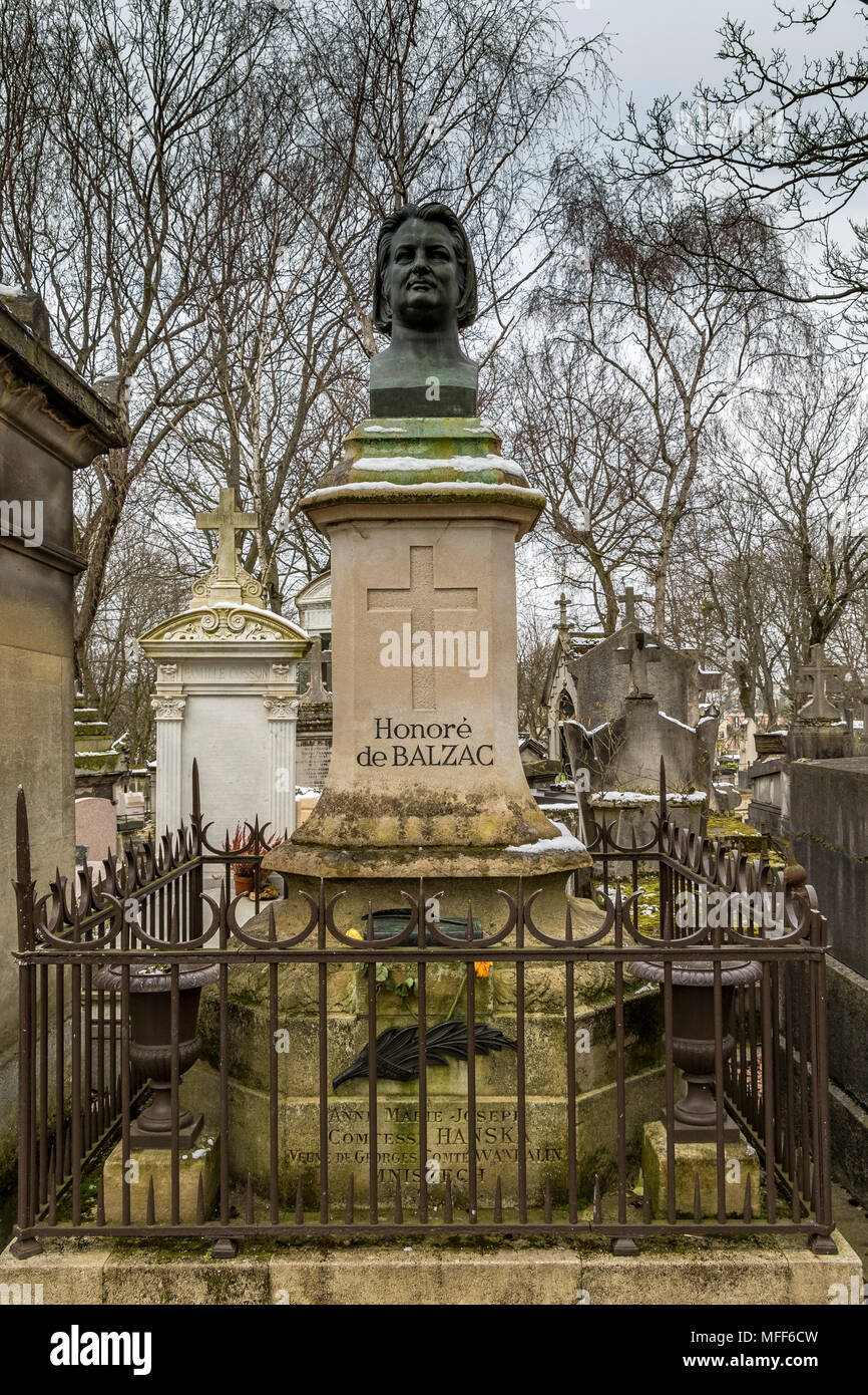 Père Lachaise cemetery, the largest and most visited cemetery  in Paris - Stock Image