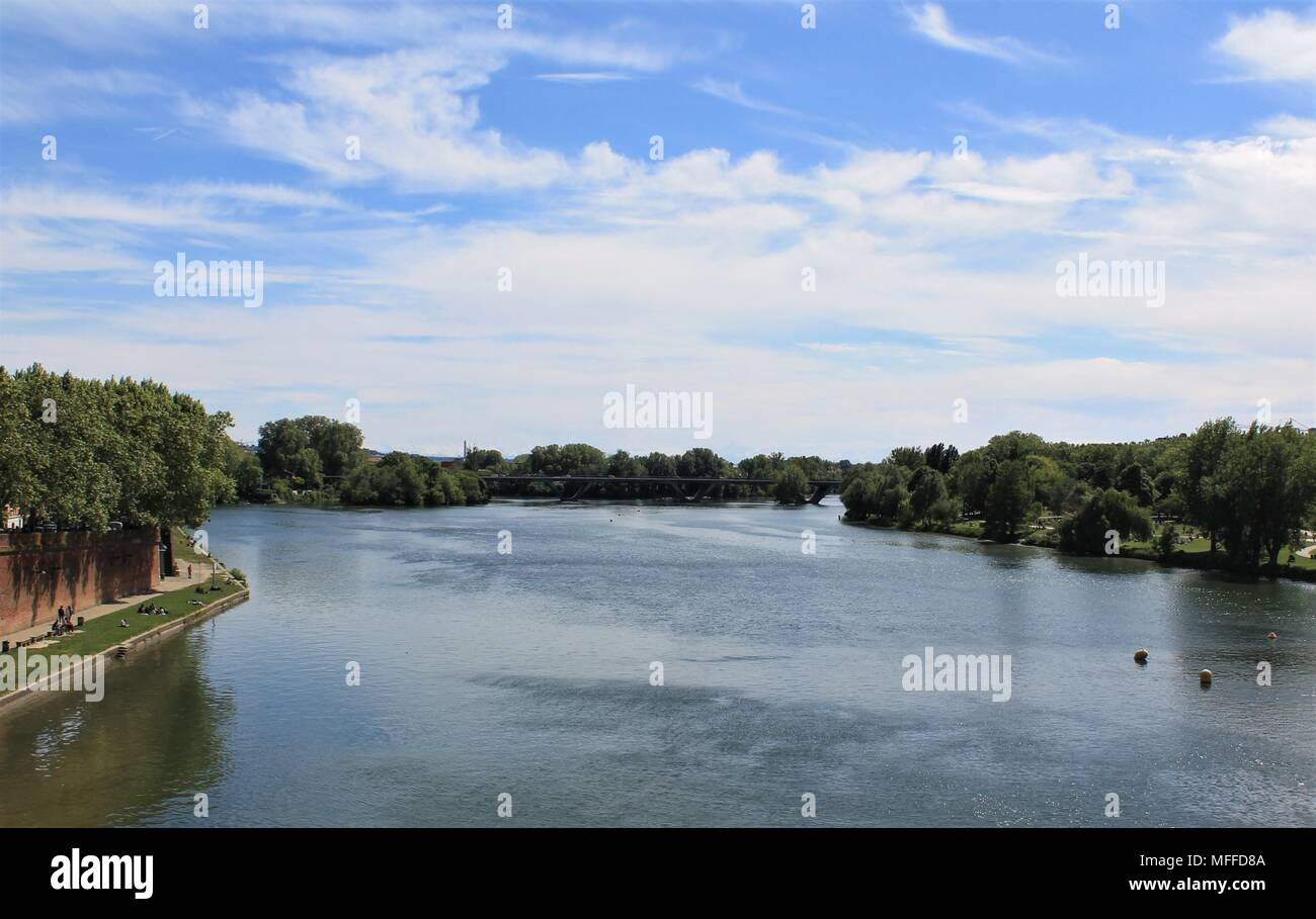 Garonne river in Toulouse, Haute Garonne, Occitanie region, France - Stock Image