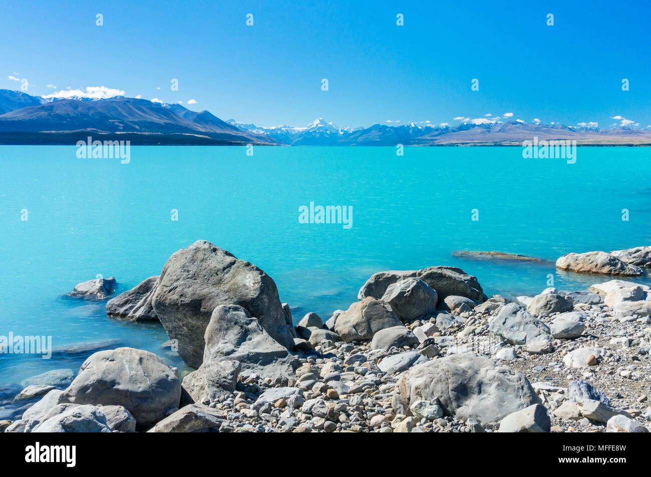 new zealand south island new zealand view of mount cook from the shore of lake pukaki mount cook national park new zealand south island southland - Stock Image