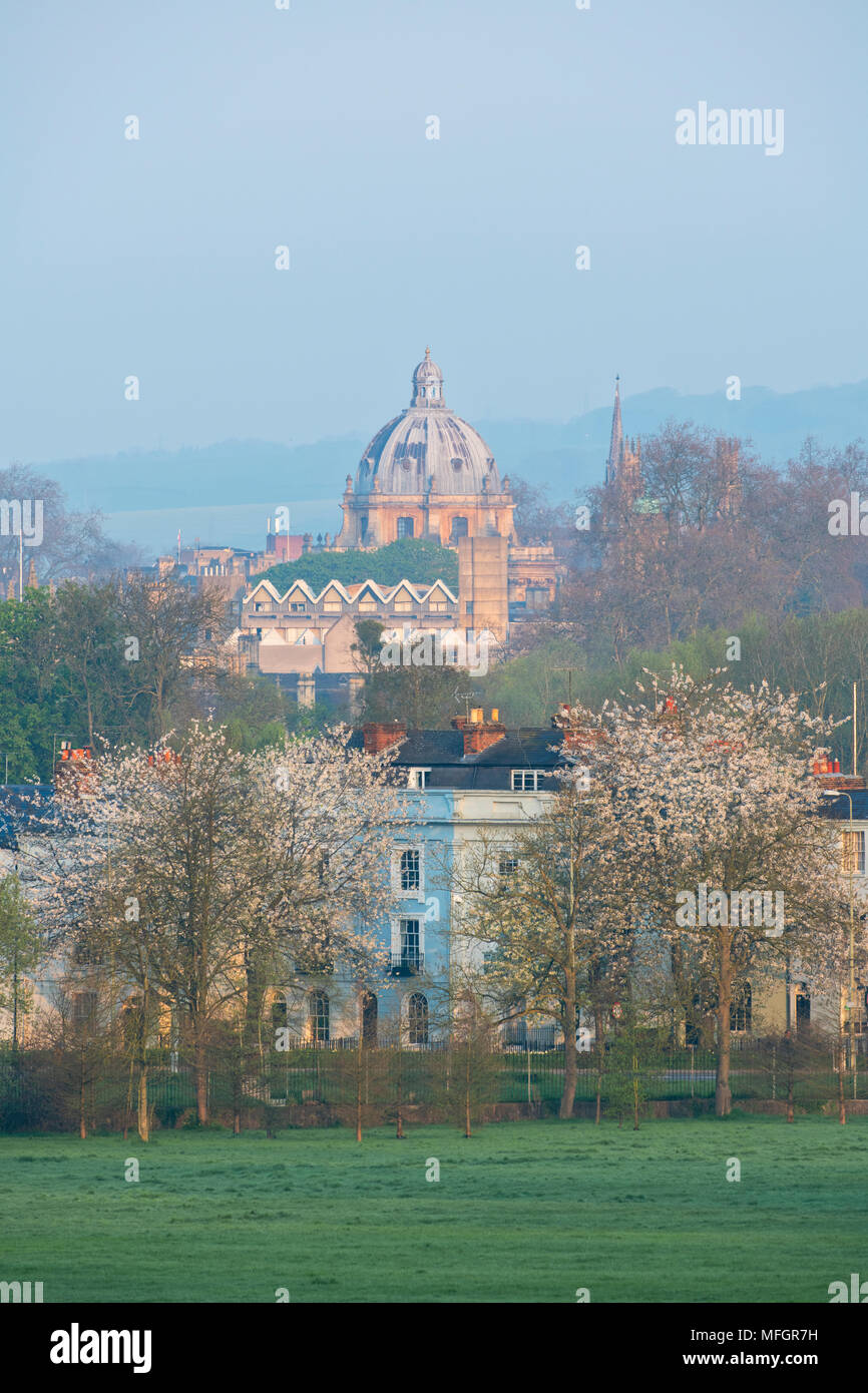 Oxford city from south park in the early morning spring sunlight. Oxford, Oxfordshire, England - Stock Image