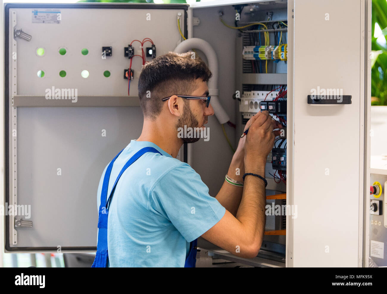 26 April 2016 Germany Leipzig Azzam 23 From Syria Working On Electrical Control Wiring Training In An Enclosure At The Centre Of Siemens Professional Education A