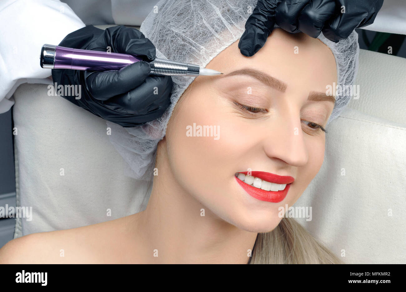 Microblading eyebrows cosmetologist making permanent for Eyebrow tattoo aftercare instructions