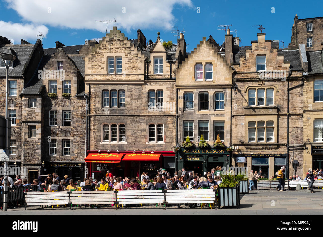 View of outdoor bars at Grassmarket in Edinburgh Old Town on sunny afternoon, Edinburgh, Scotland, UK - Stock Image