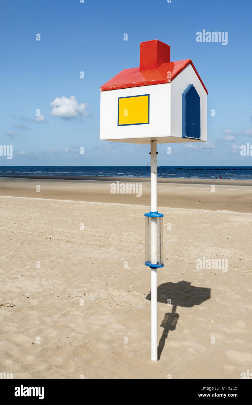 One of several orientation points on the beach at Dunkerque, France - Stock Image
