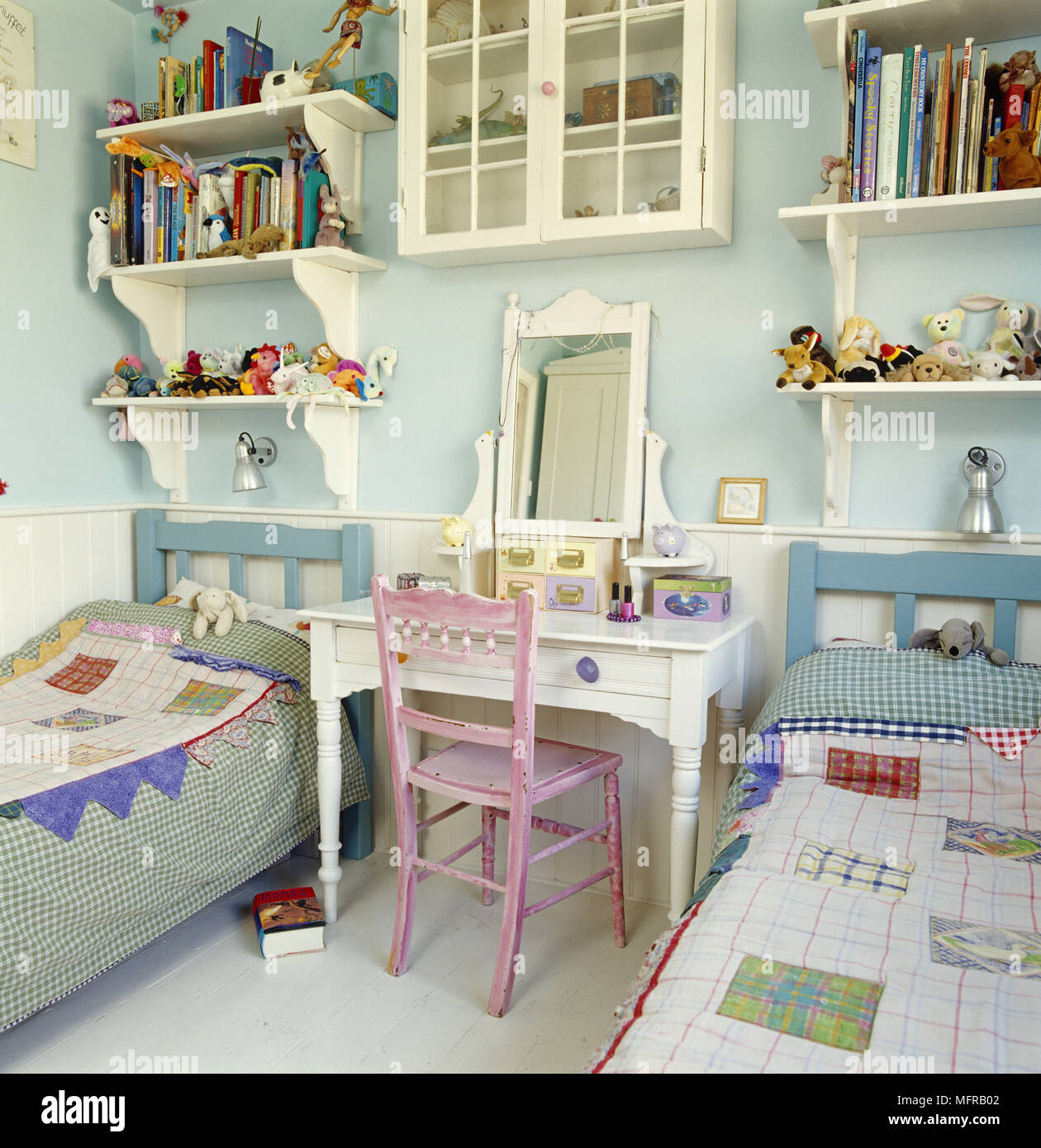 Picture of: Pair Of Single Beds In Childrens Room Stock Photo Alamy