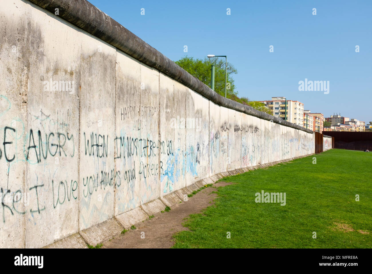 Original section of wall at Berlin Wall Memorial on Bernauer Strasse , Berlin, Germany. The GedenkstŠtte Berliner Mauer commemorates the division of B - Stock Image
