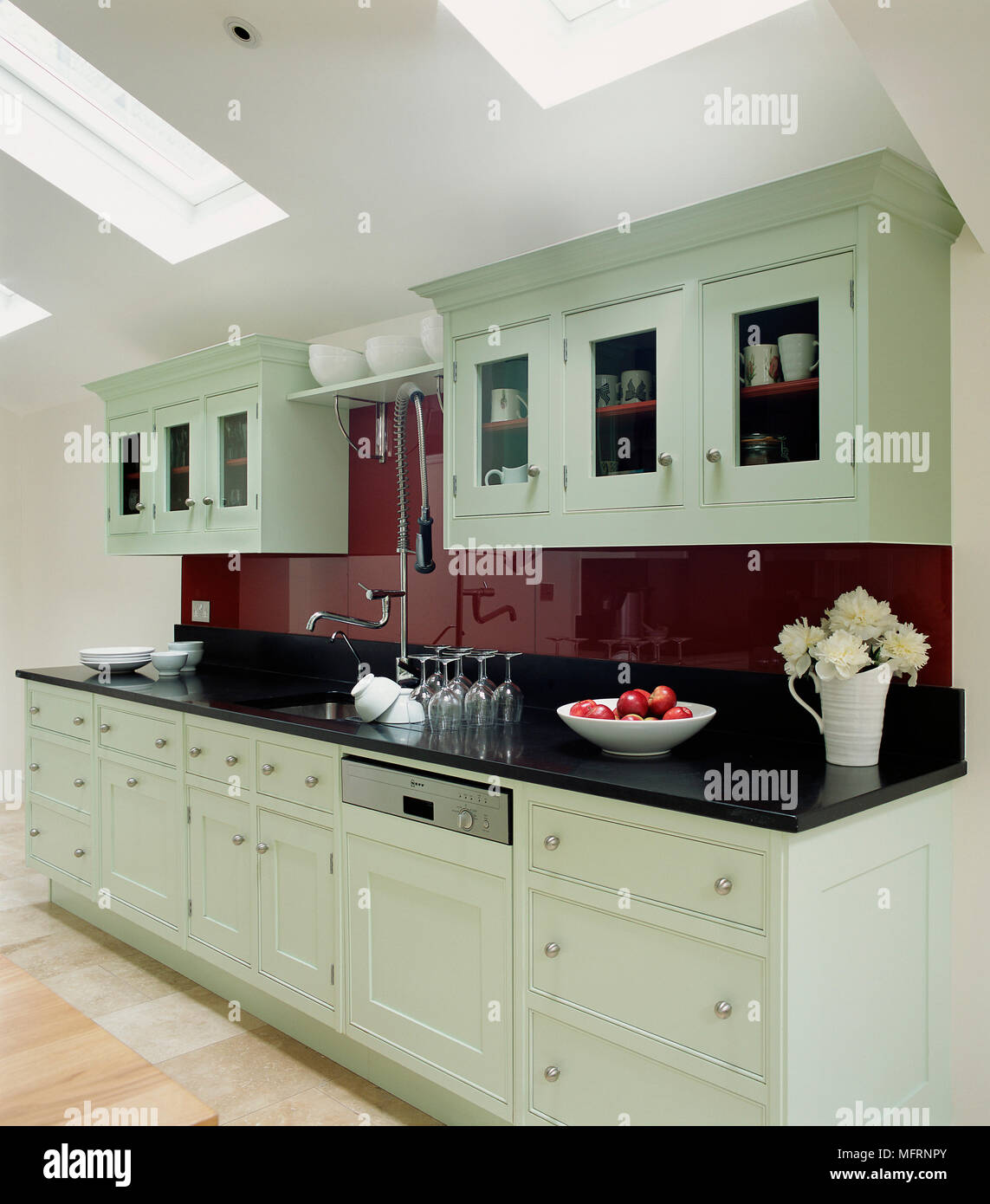 Pale Green Kitchen Units: Modern Country Style Kitchen With Black Worktop And Pale