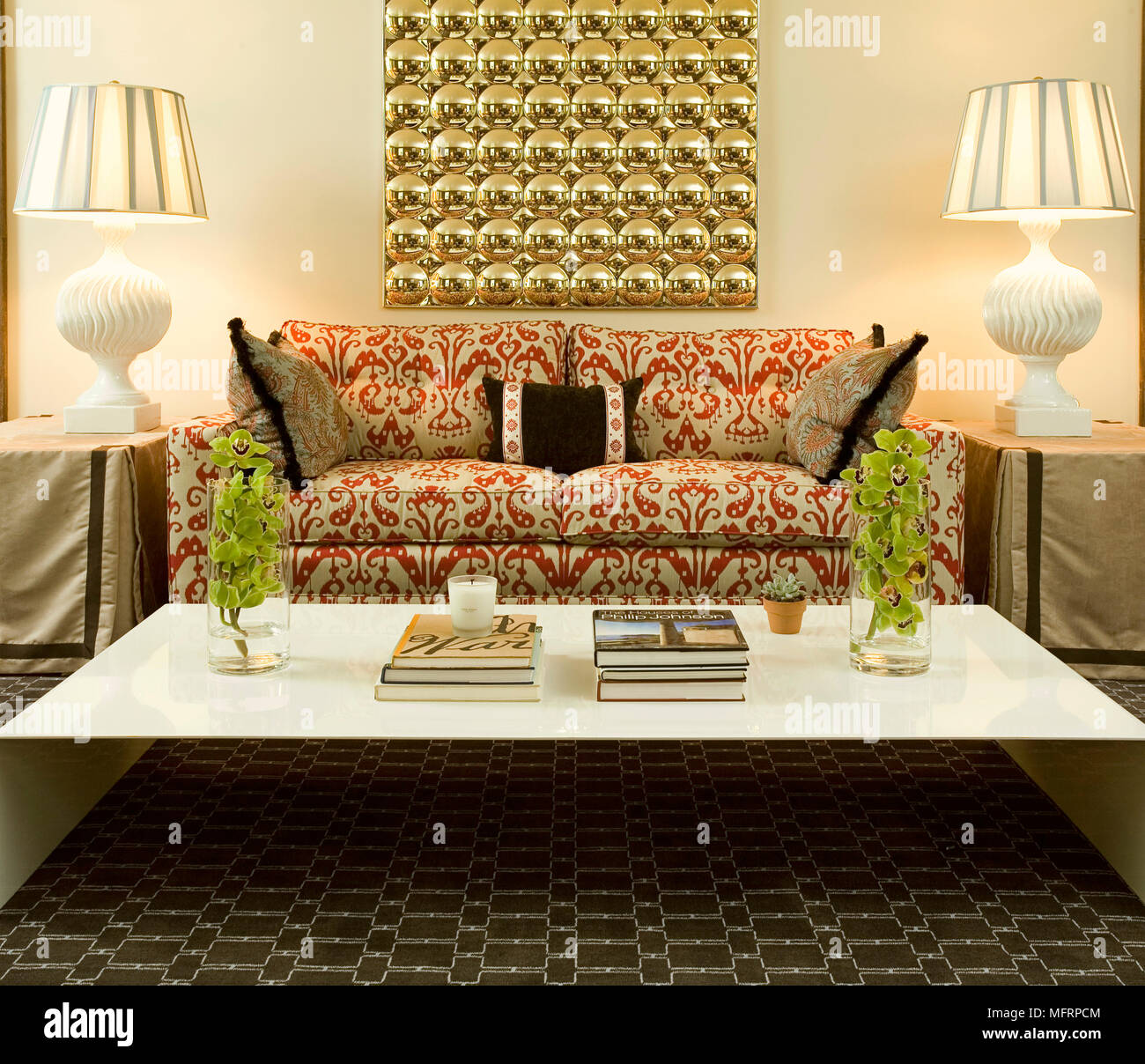 Strange Coffee Table In Front Of Sofa With Pattern Fabric In Modern Inzonedesignstudio Interior Chair Design Inzonedesignstudiocom