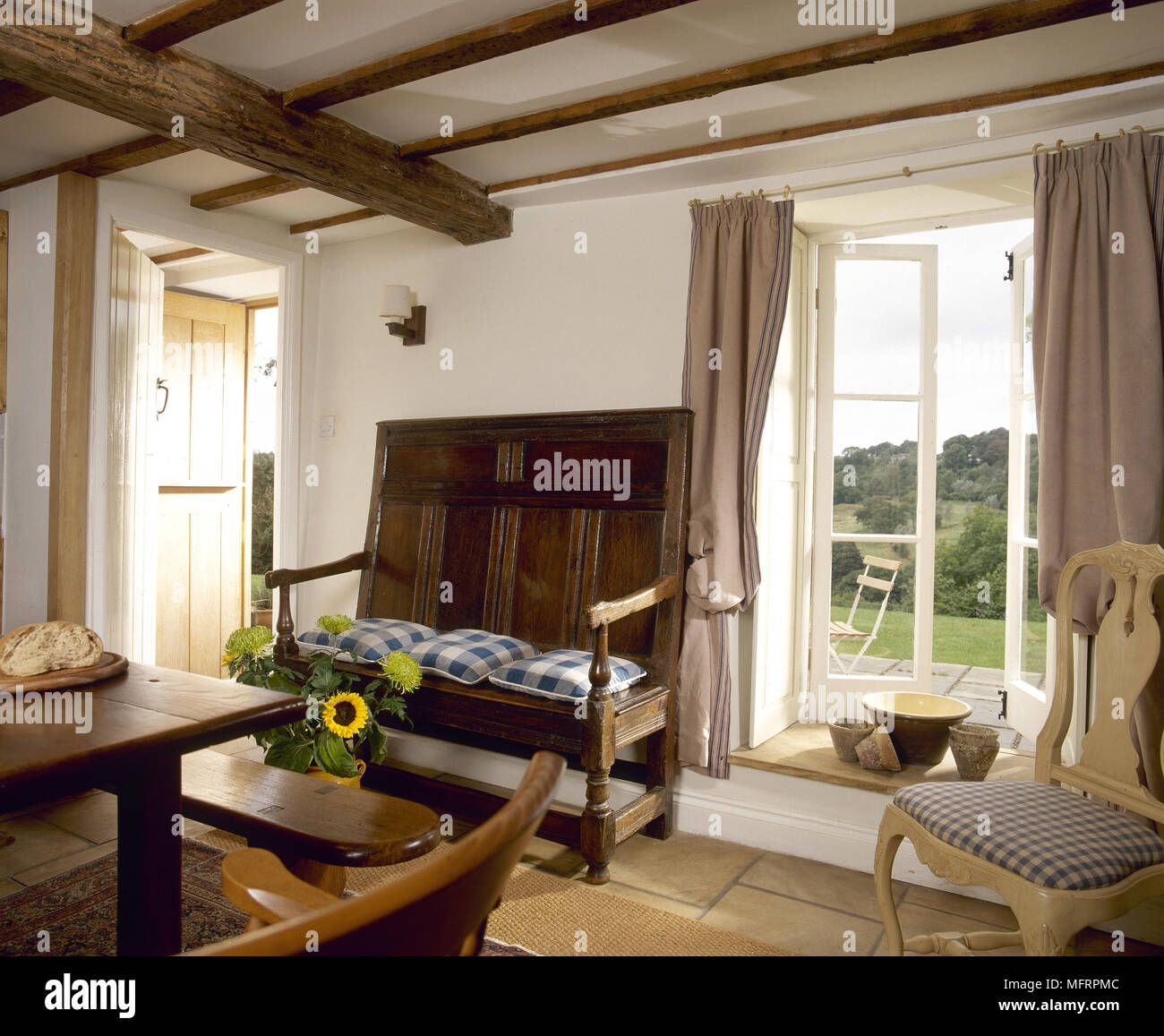 Pleasing Country Cottage Dining Room With Wood Beamed Ceiling Settee Gamerscity Chair Design For Home Gamerscityorg